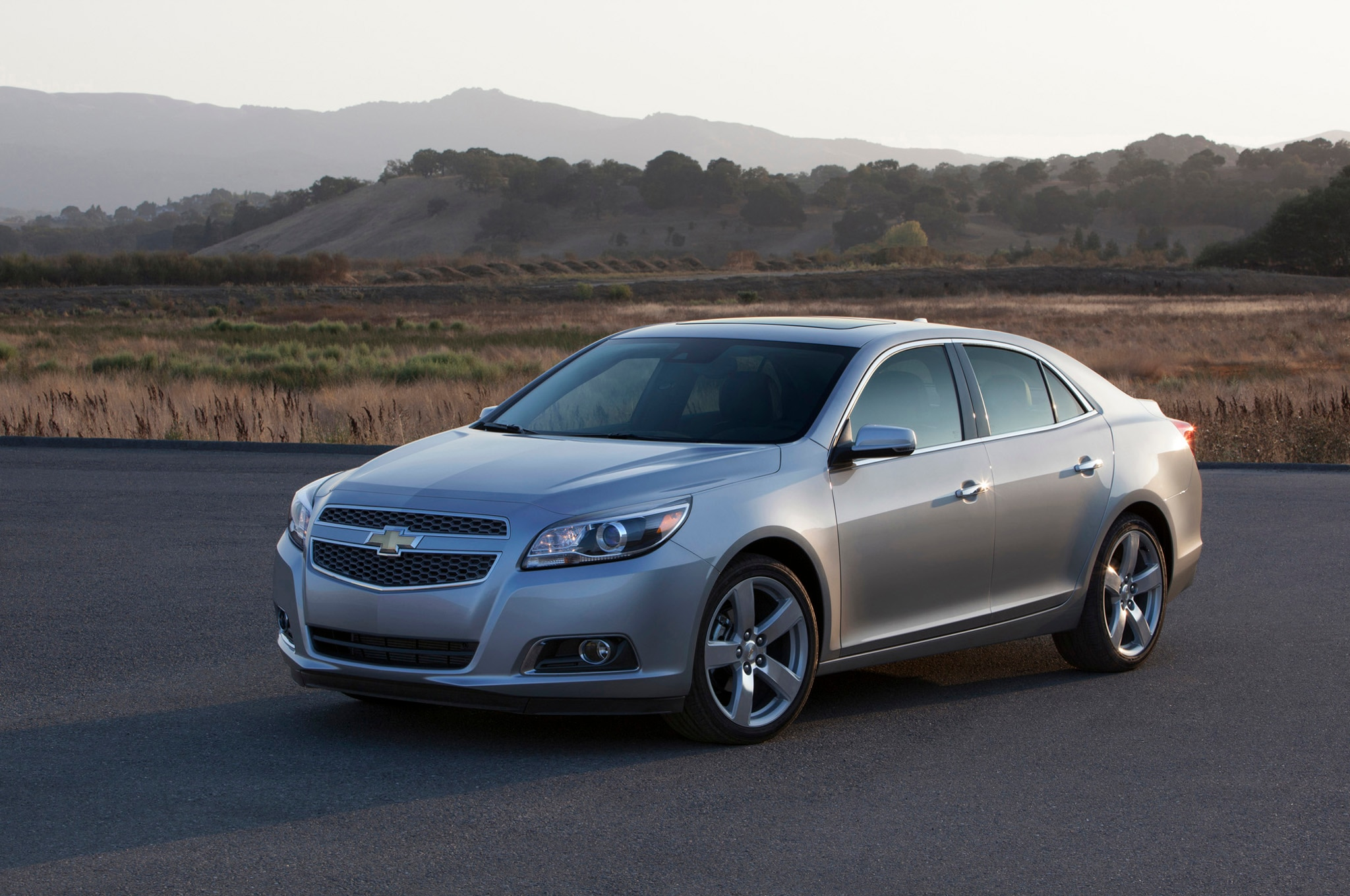 recall central 2013 chevy malibu software nhtsa probe. Black Bedroom Furniture Sets. Home Design Ideas