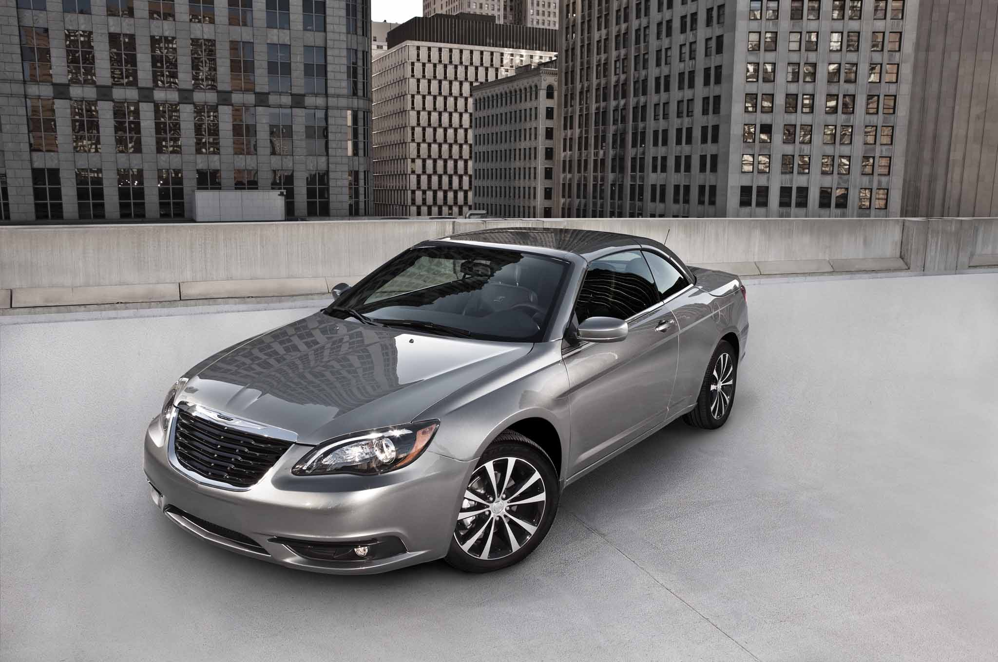 Report chrysler 200 to become beautiful relevant vehicle 2013 chrysler 200 convertible fandeluxe Images