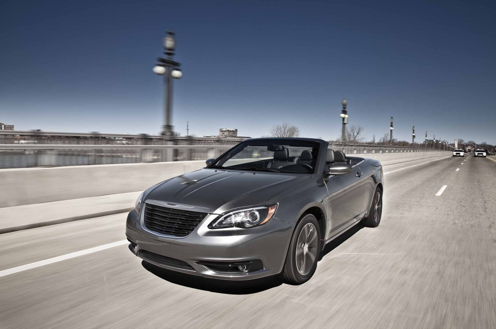 Report chrysler 200 to become beautiful relevant vehicle 2013 chrysler 200 convertible fandeluxe Gallery