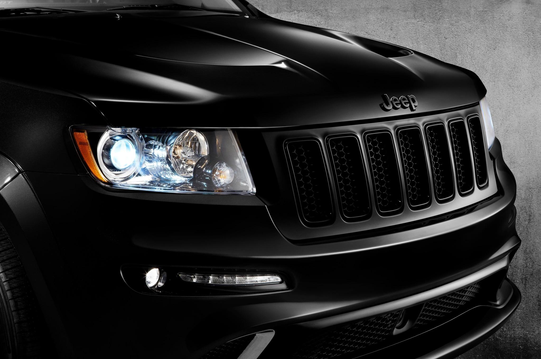2013 jeep grand cherokee srt8 gains new vapor alpine. Black Bedroom Furniture Sets. Home Design Ideas