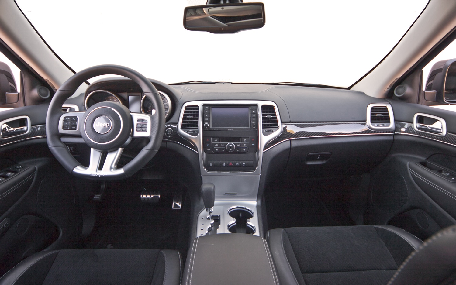 2013 Jeep Grand Cherokee SRT8 Gains New Vapor, Alpine ...