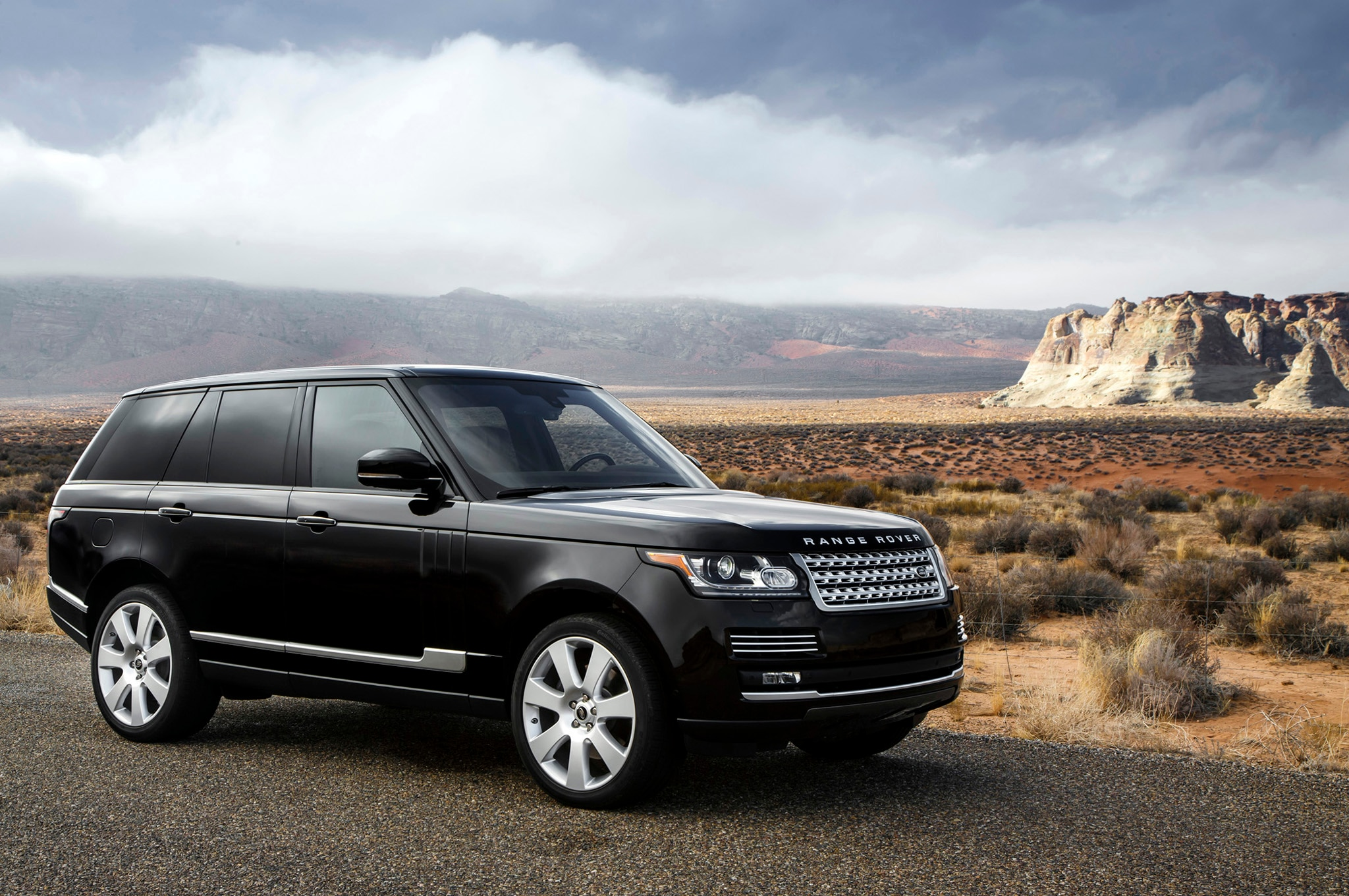 land rover will sell 2013 range rover hybrid in european markets. Black Bedroom Furniture Sets. Home Design Ideas