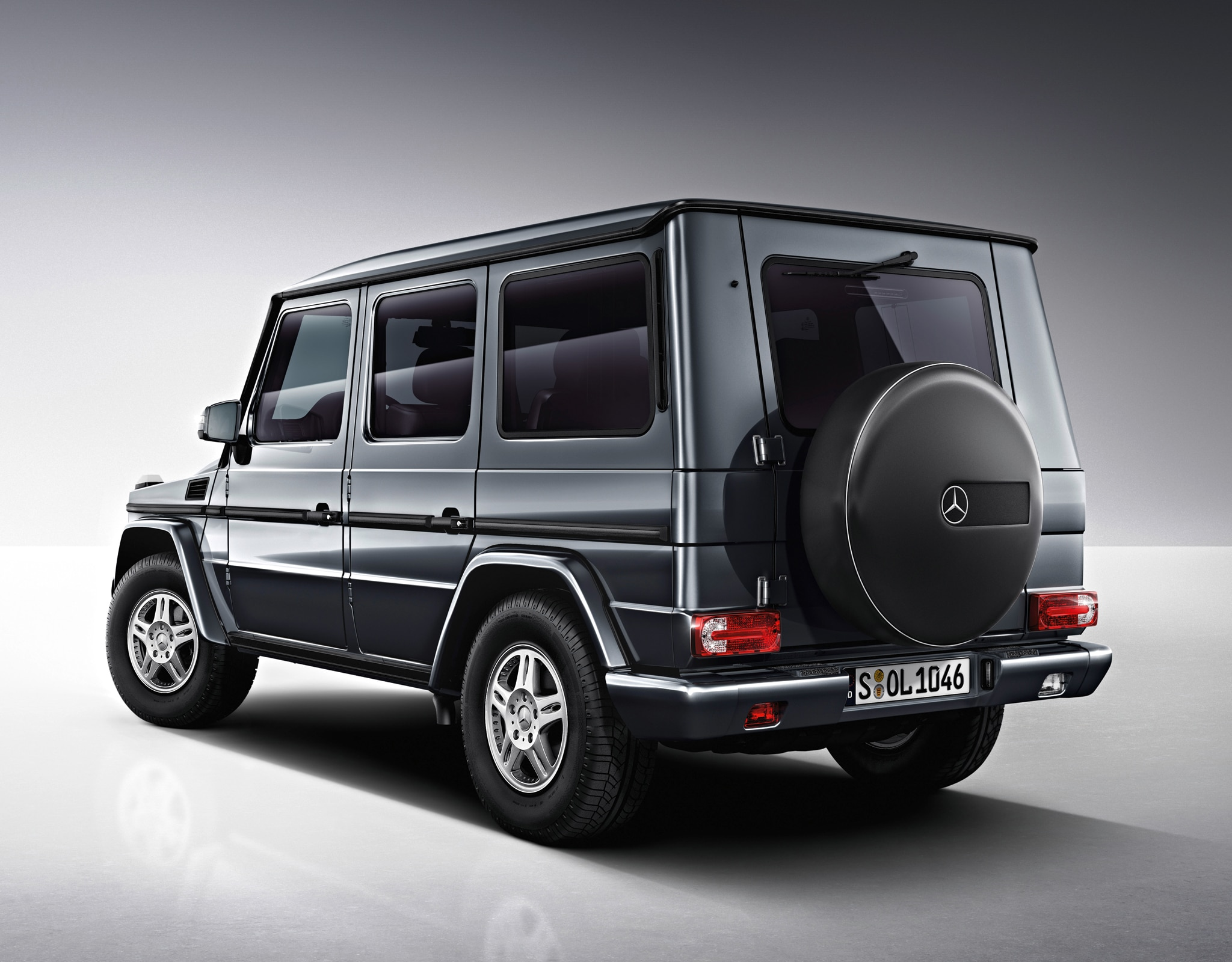 mercedes benz builds g63 amg 6x6. Black Bedroom Furniture Sets. Home Design Ideas