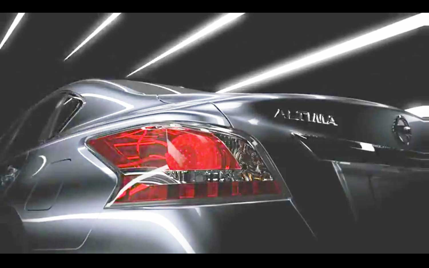 2013 Nissan Altima Tail Light Teaser Picture 2
