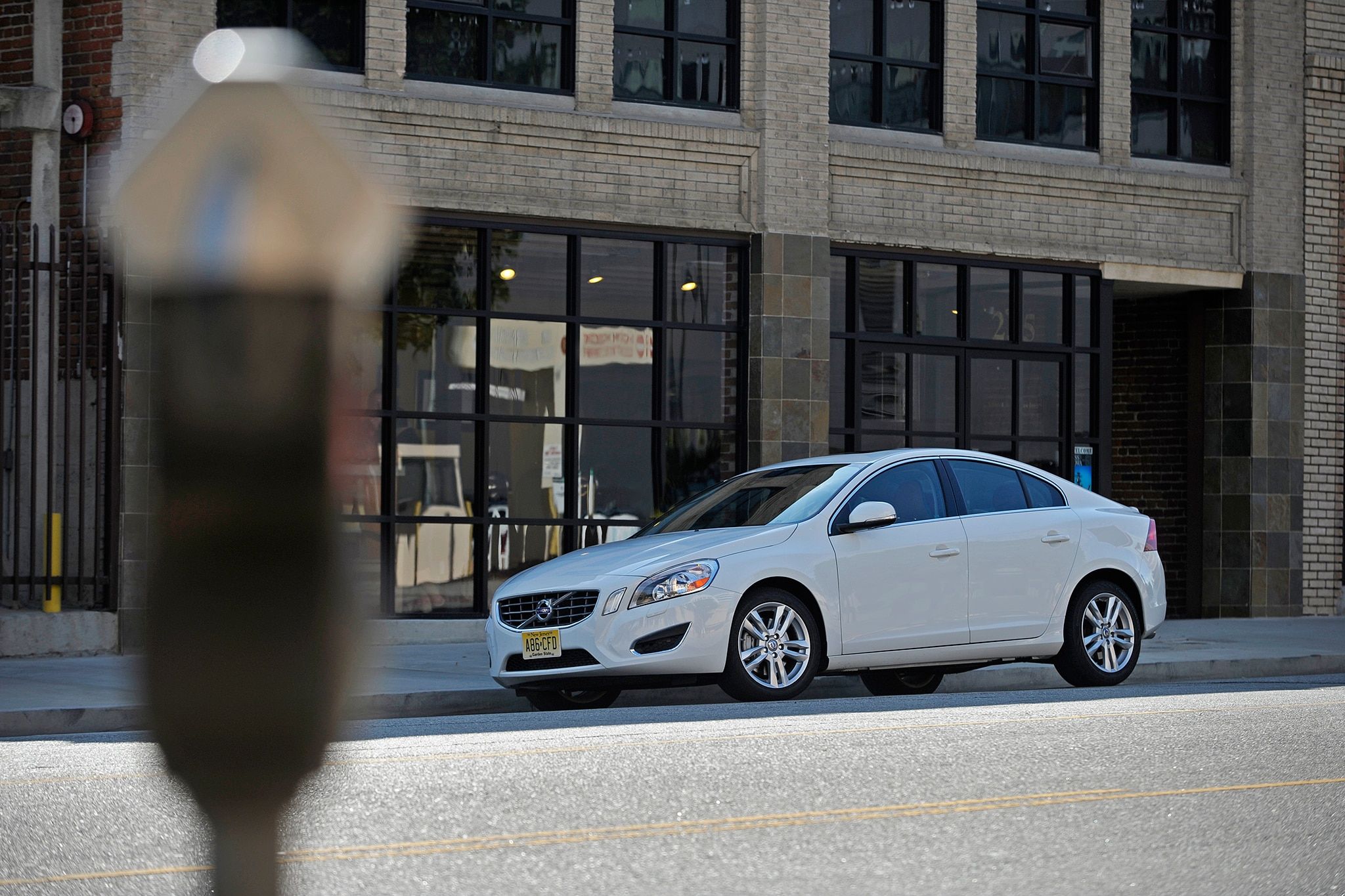 volvo s city safety now avoids cyclists 2013 volvo s60 t5 awd