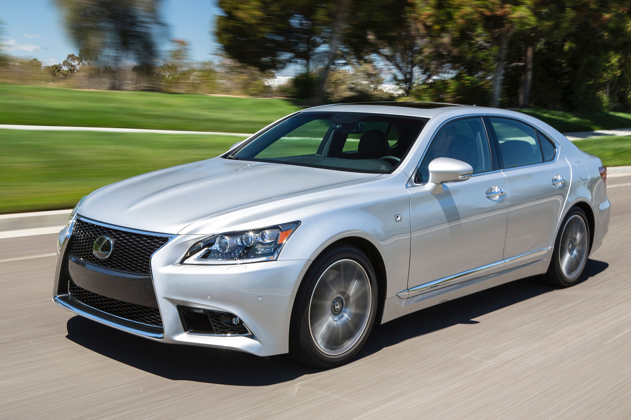 https://st.automobilemag.com/uploads/sites/10/2015/09/2013-lexus-LS-460-F-sport-front-three-quarters-view.jpg