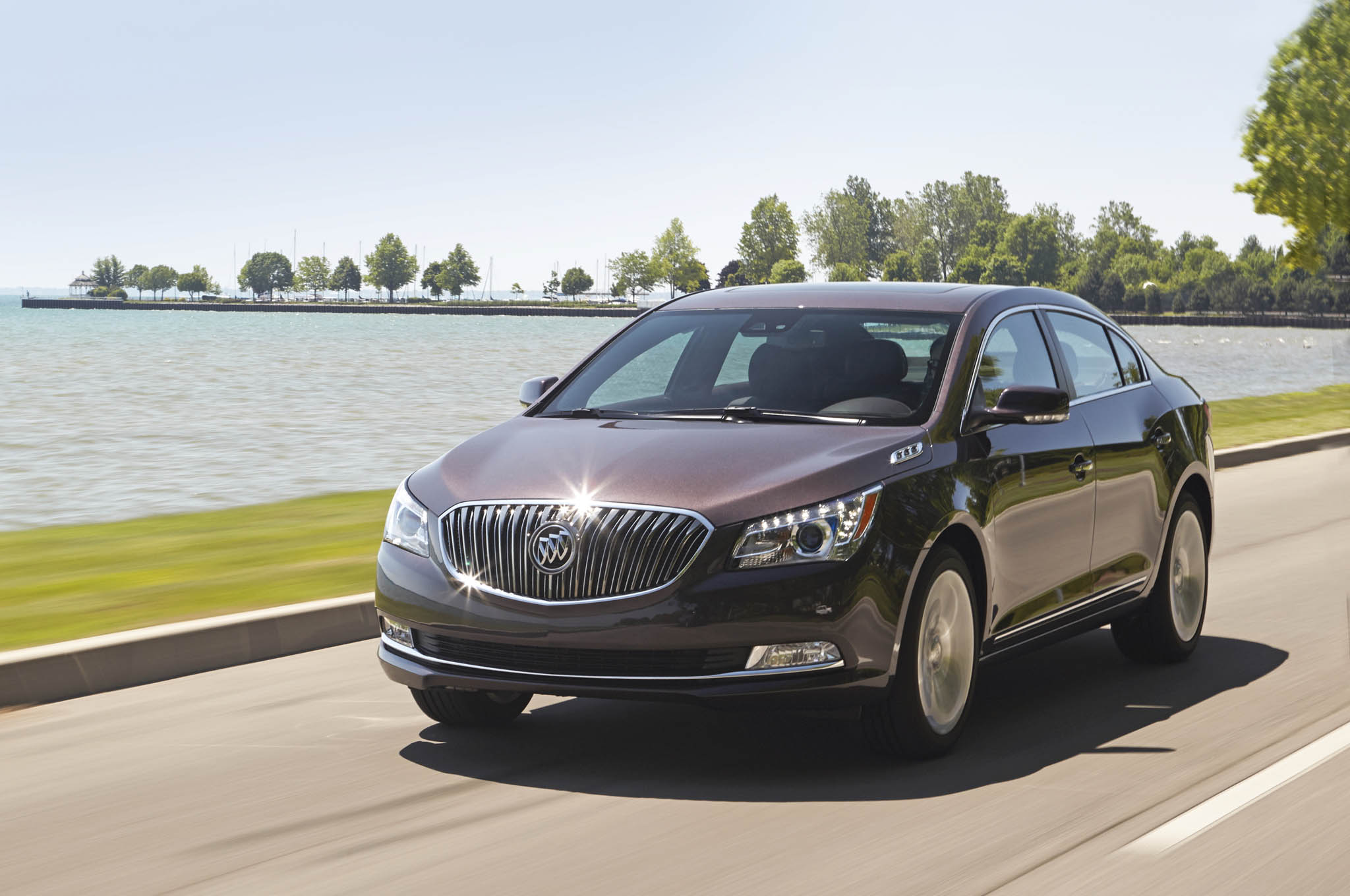 Buick LaCrosse: Driving on Grades
