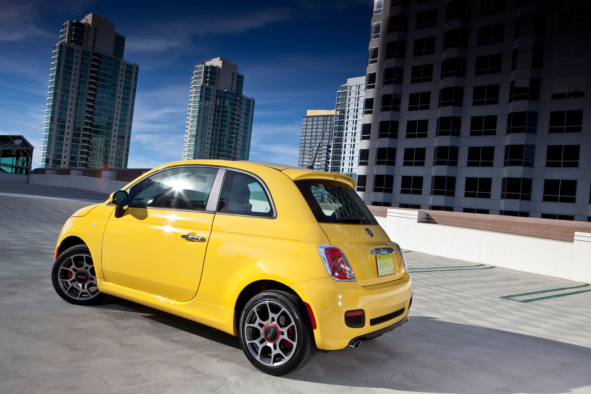 2014 fiat 500 1957 edition debuts at 2013 los angeles auto show