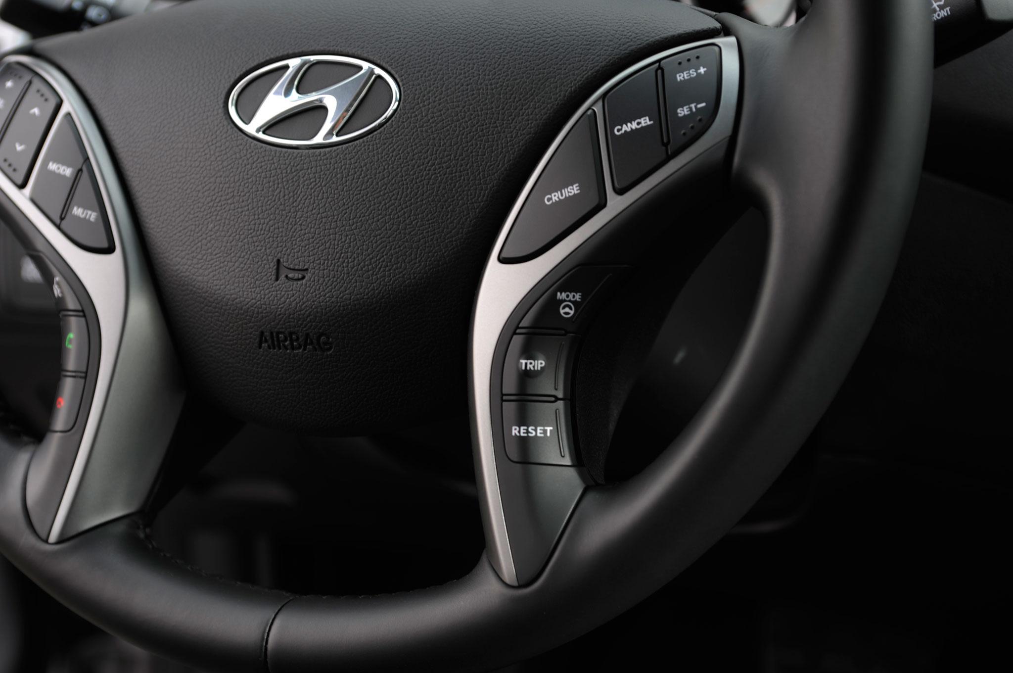 2014 Hyundai Elantra Refreshed At 2013 Los Angeles Auto Show