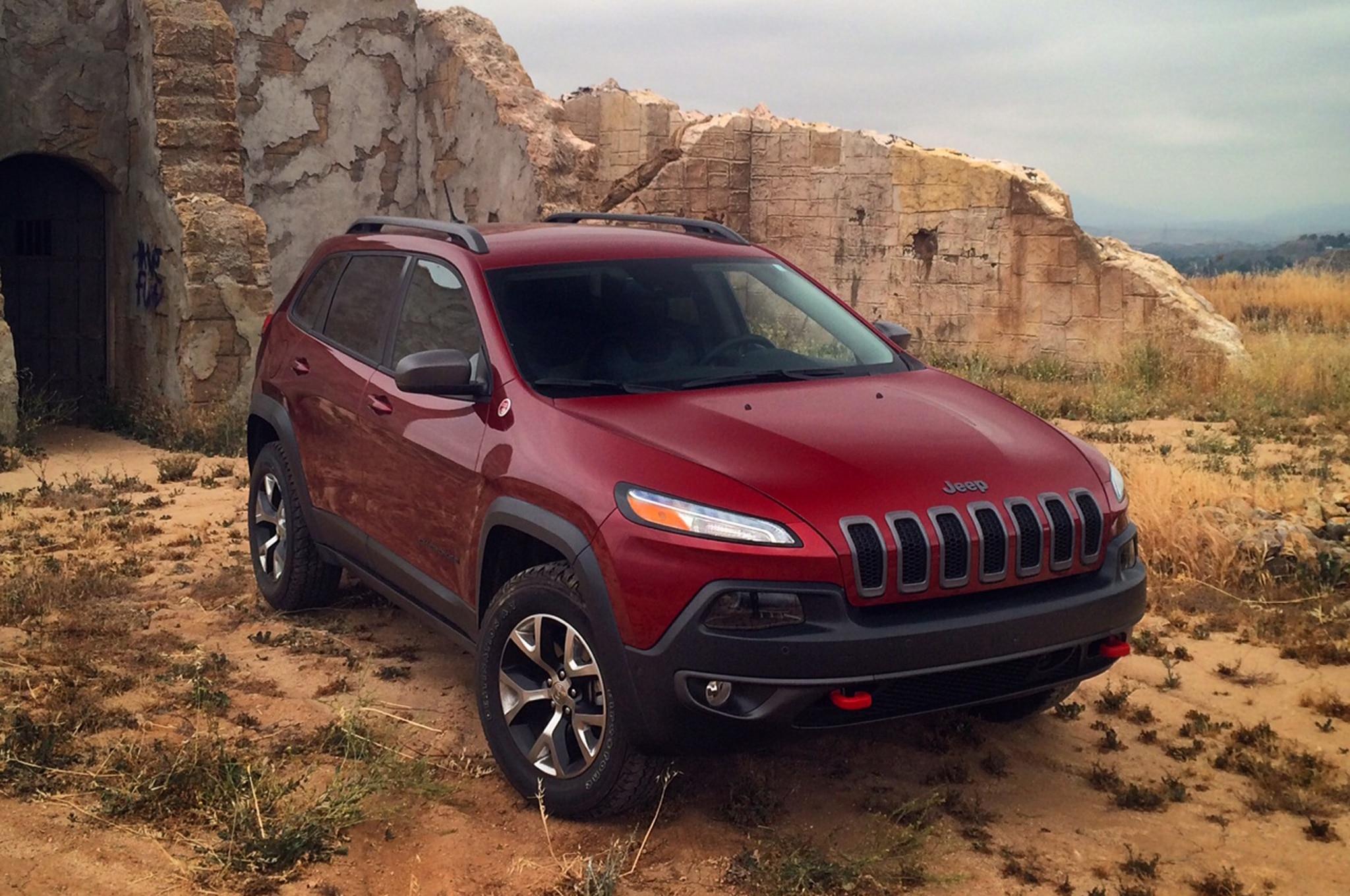 2014 Jeep Cherokee: Around the Block - Automobile Magazine