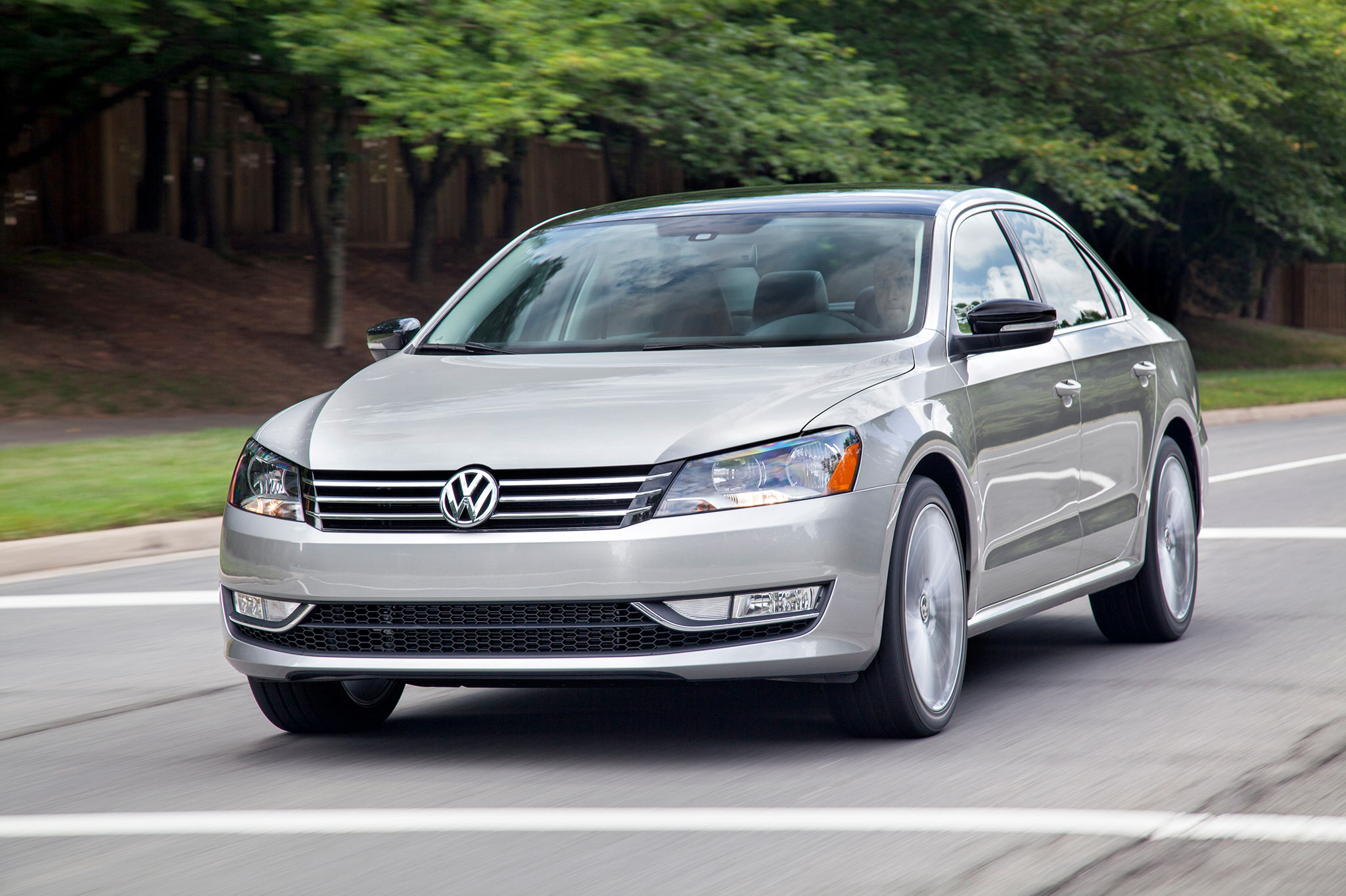 2014 Volkswagen Passat Sport Launched With Unique Design 99 Fuse Diagram Moving Inside