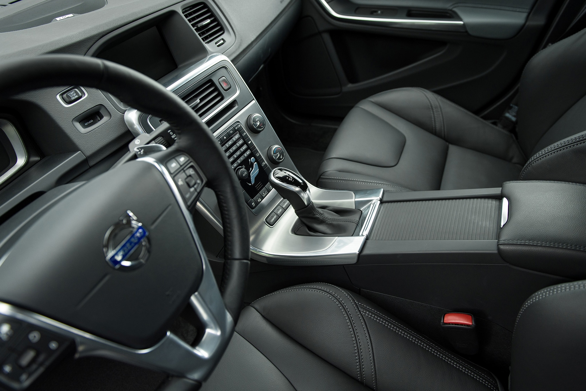 2015 Volvo V60 and S60 Rated at 37 MPG Highway - Automobile Magazine