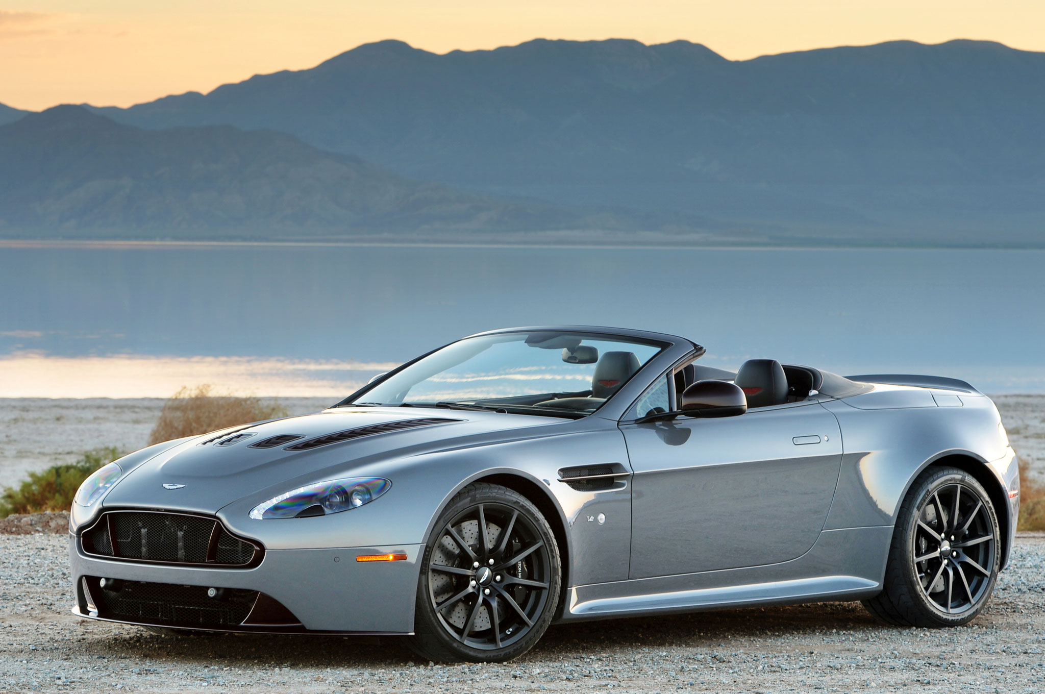 2016 Aston Martin V12 Vantage S e Week Review