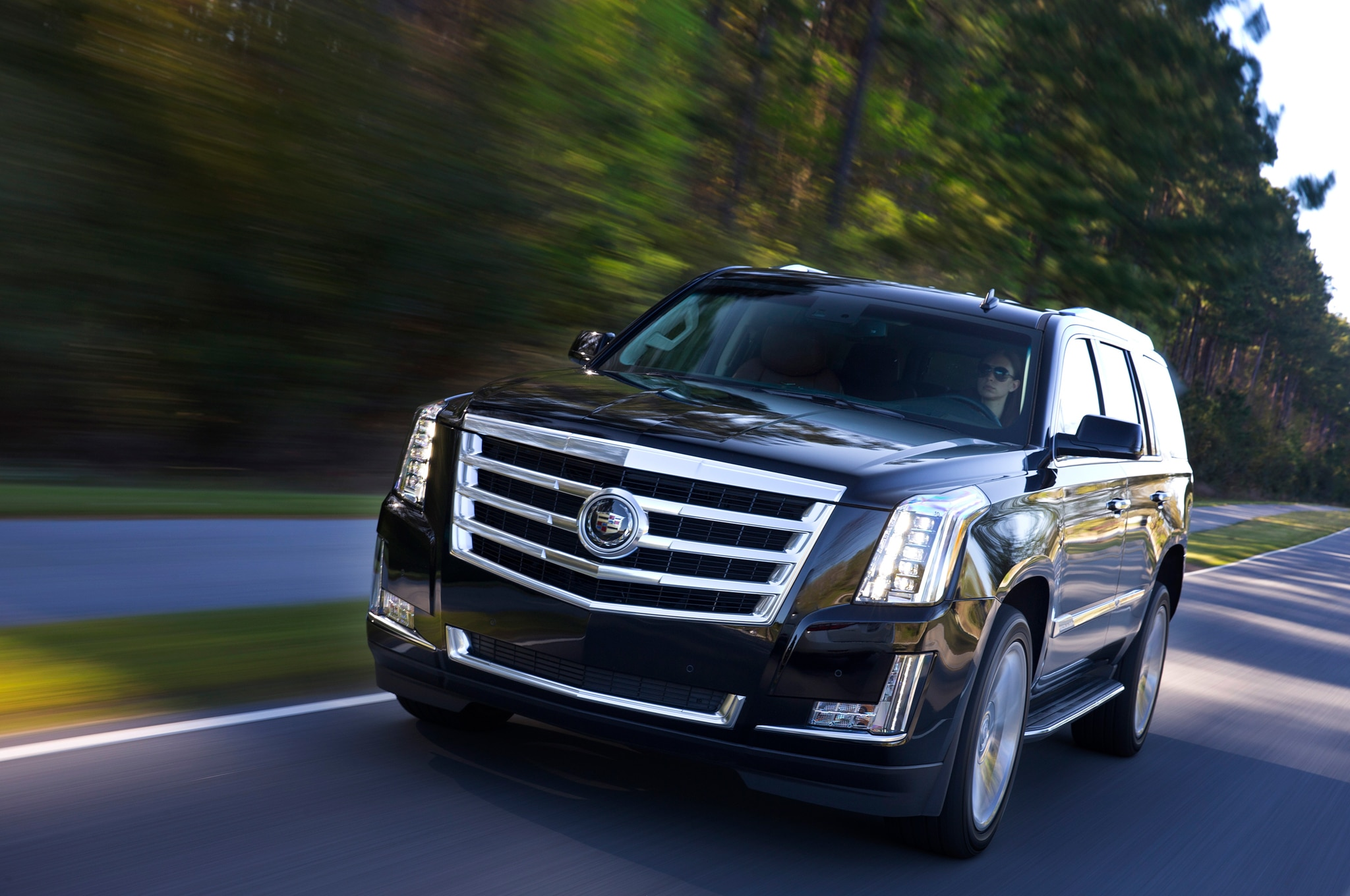 2015 Cadillac Escalade vs. 2015 Lincoln Navigator Comparison