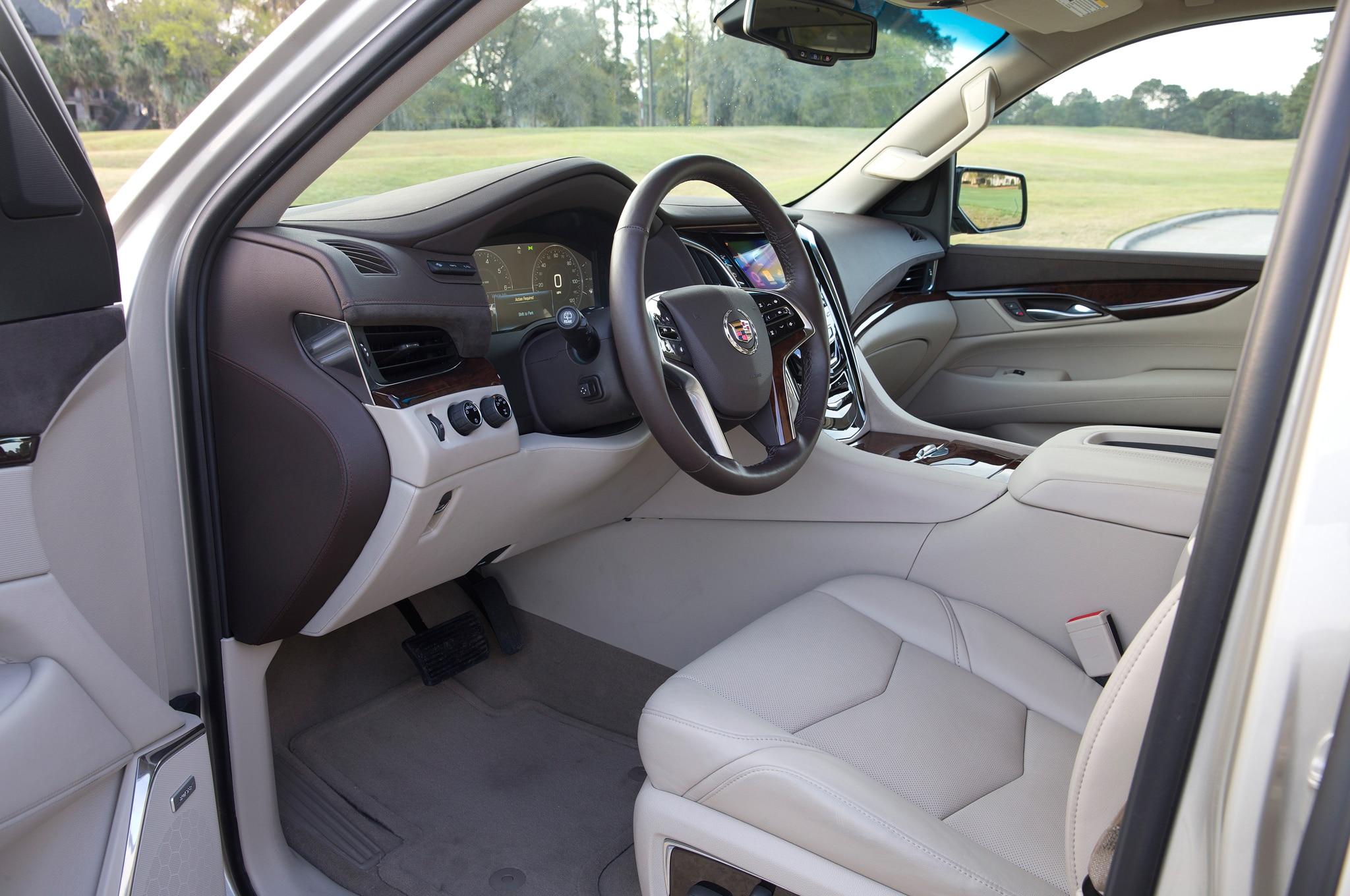 2015 Cadillac Escalade. 28 188