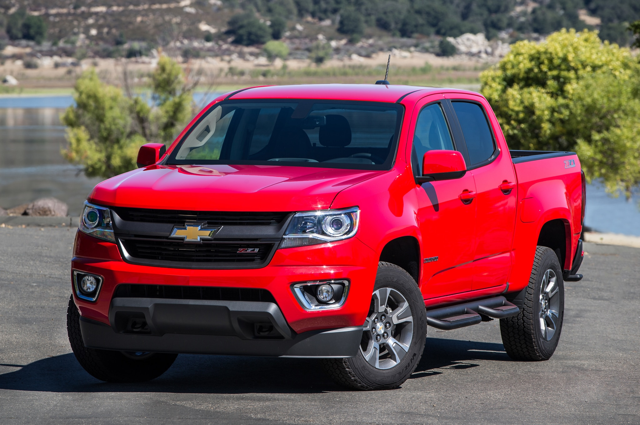 2015 Chevrolet Colorado and 2015 GMC Canyon Review