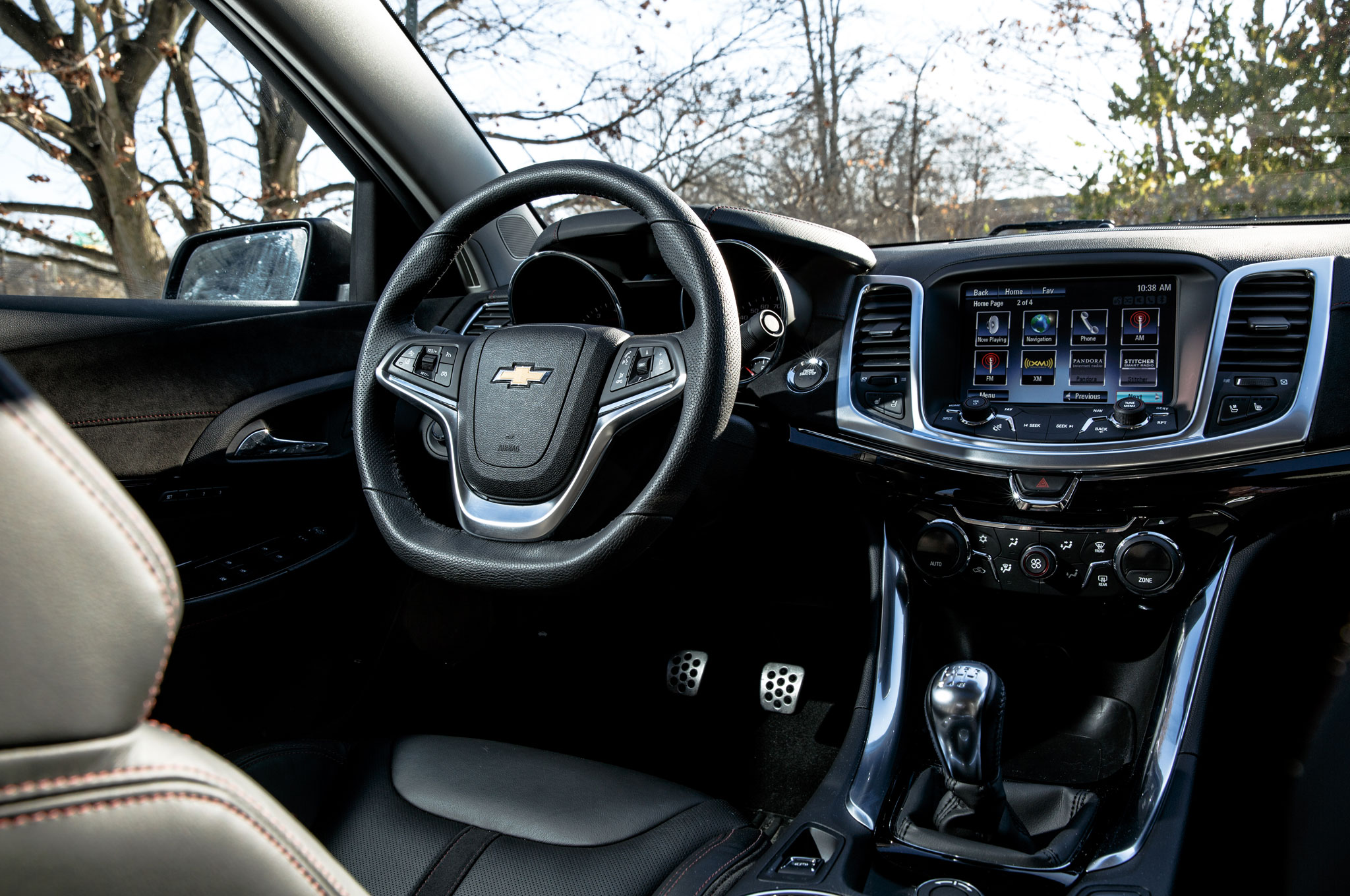 2015 Chevrolet SS Shifter And Media Display