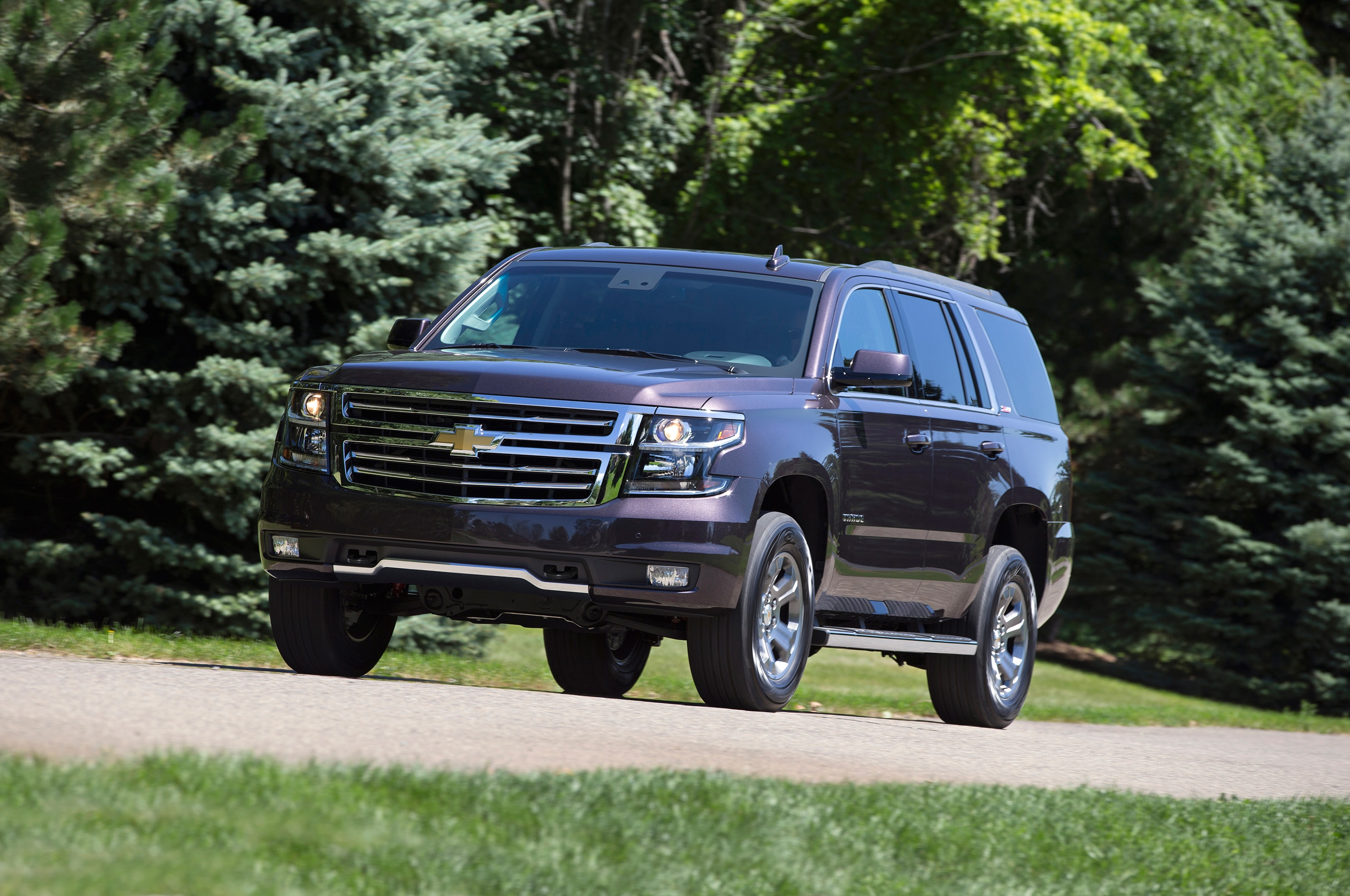 2017 Chevrolet Tahoe Z71 Front In Motion