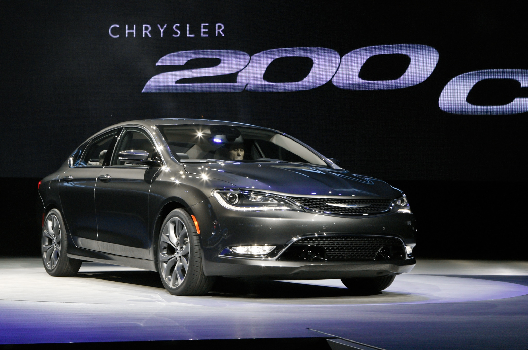 driving the 2015 dodge charger awd 2015 chrysler 200c awd in snow. Black Bedroom Furniture Sets. Home Design Ideas