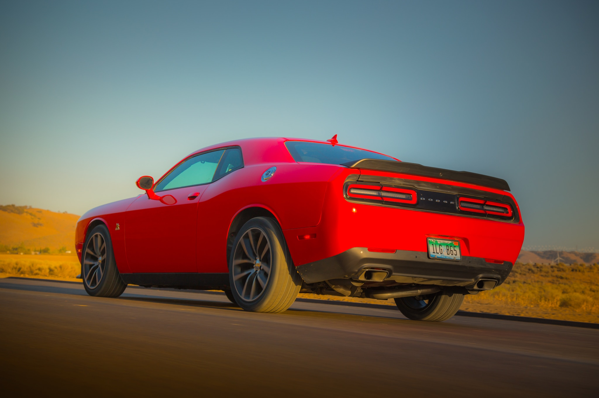 Challenger Scat Pack >> Driving a 2015 Dodge Challenger Hellcat in a Snowstorm