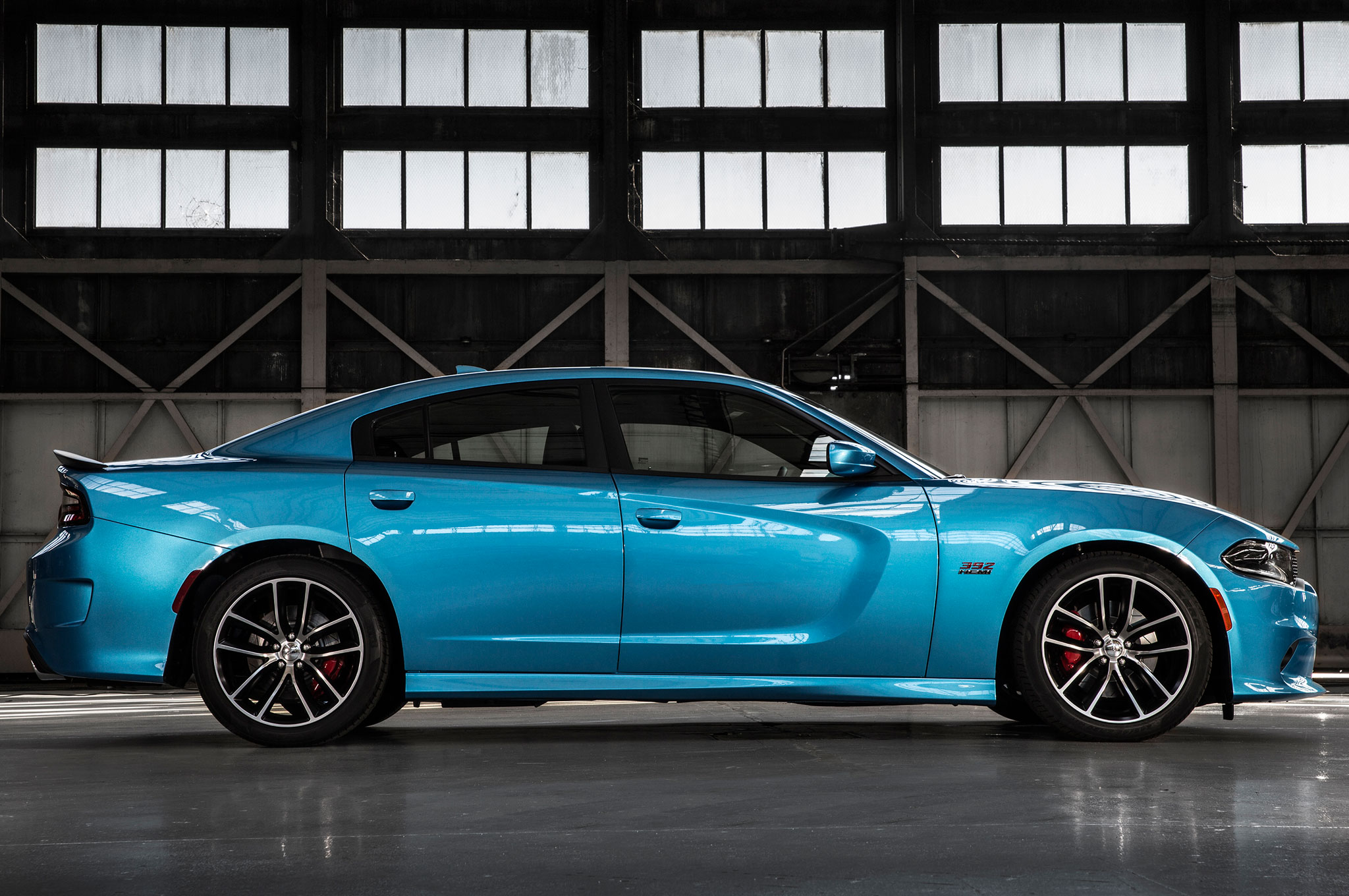 Rt 33 Nissan >> Flavors of Fast: 2015 Dodge Charger Hellcat vs. 2016 Nissan GT-R