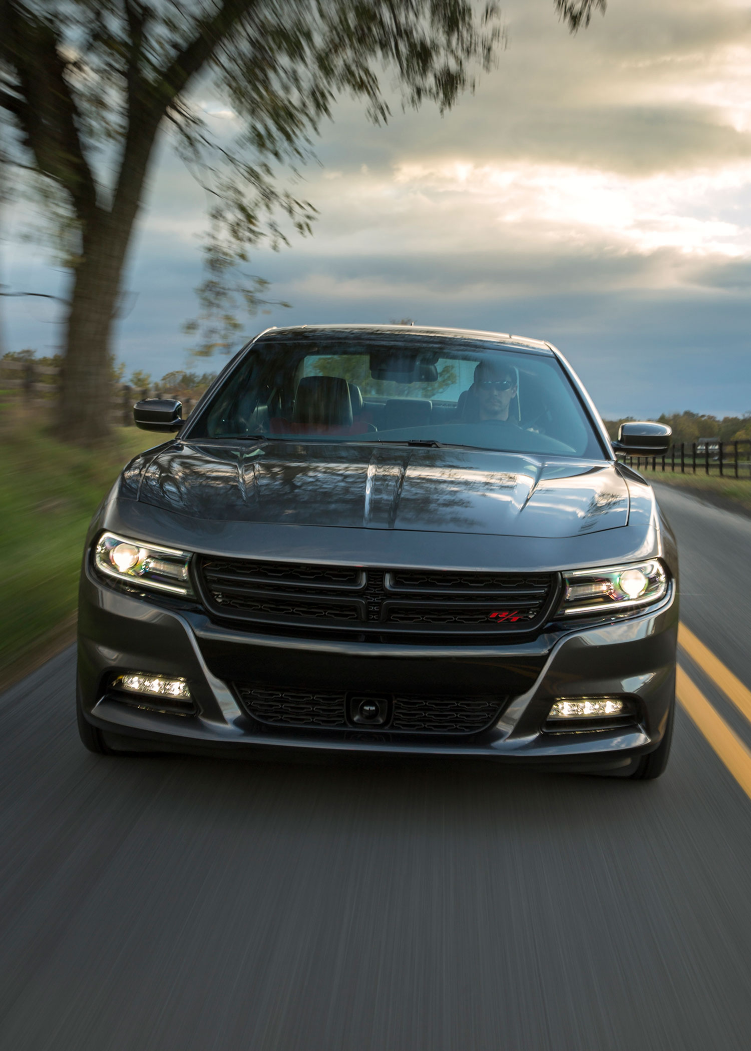 Gt Charger: Flavors Of Fast: 2015 Dodge Charger Hellcat Vs. 2016