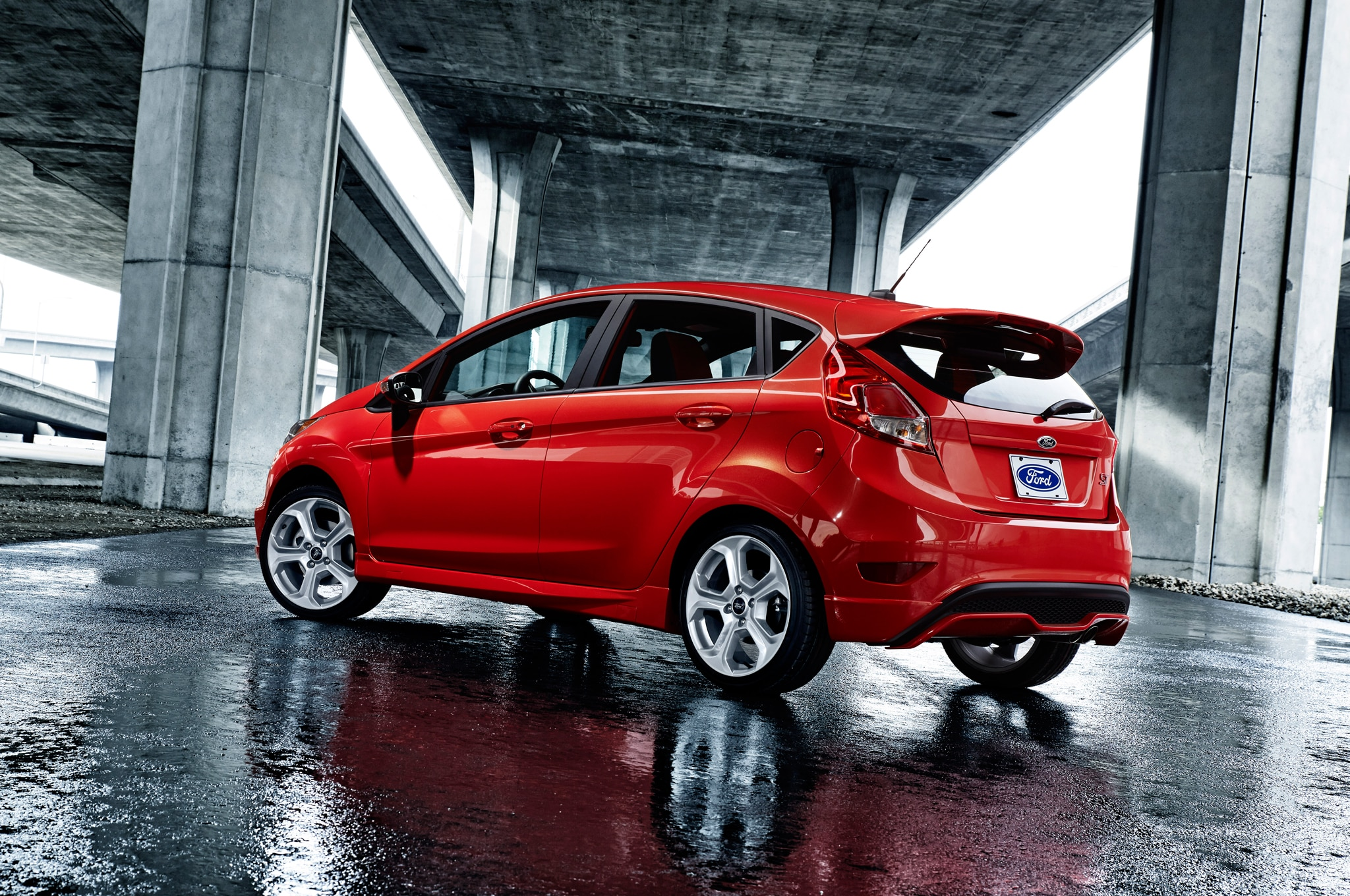 2015 Ford Fiesta And St Prices Reduced By 235 485