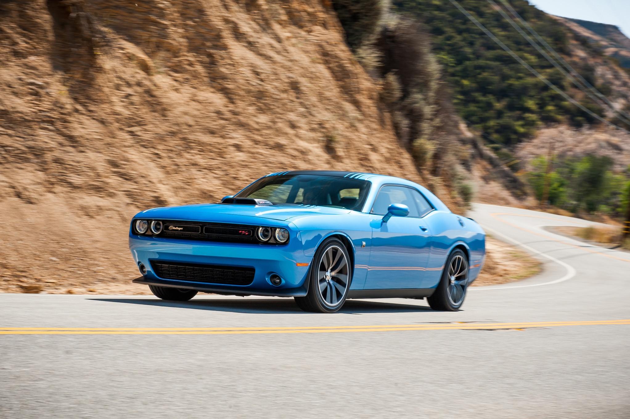 Dodge Challenger Hellcat Blue >> 2015 Dodge Challenger SXT, R/T, SRT Review