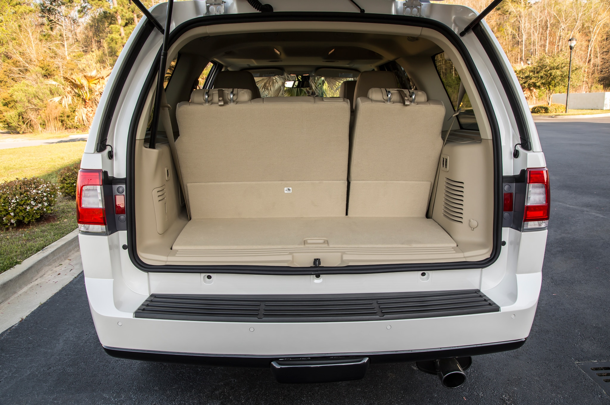 2015 lincoln navigator review. Black Bedroom Furniture Sets. Home Design Ideas