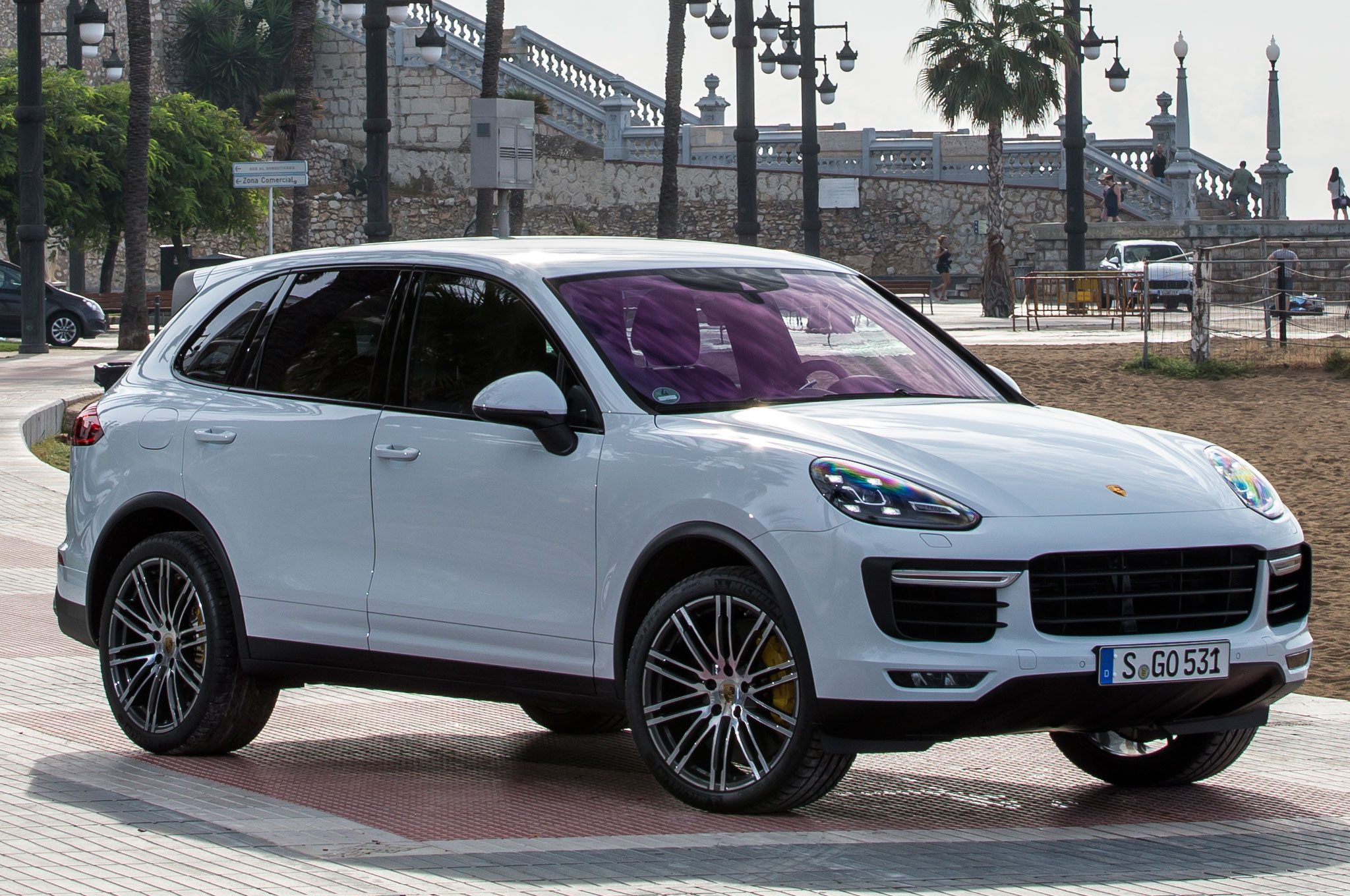 2015 Porsche Cayenne Turbo Front Three Quarter View 1