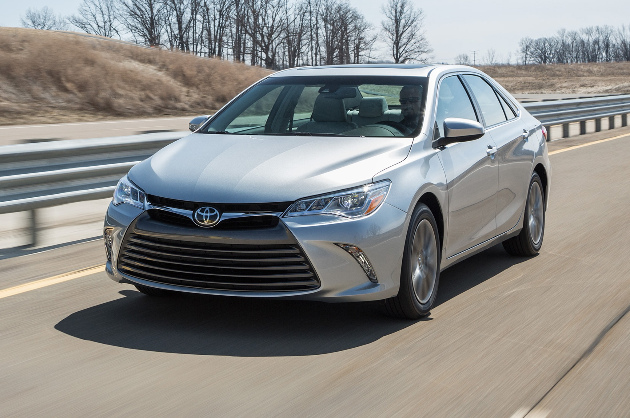 2017 Toyota Camry Xle Front Side Motion View