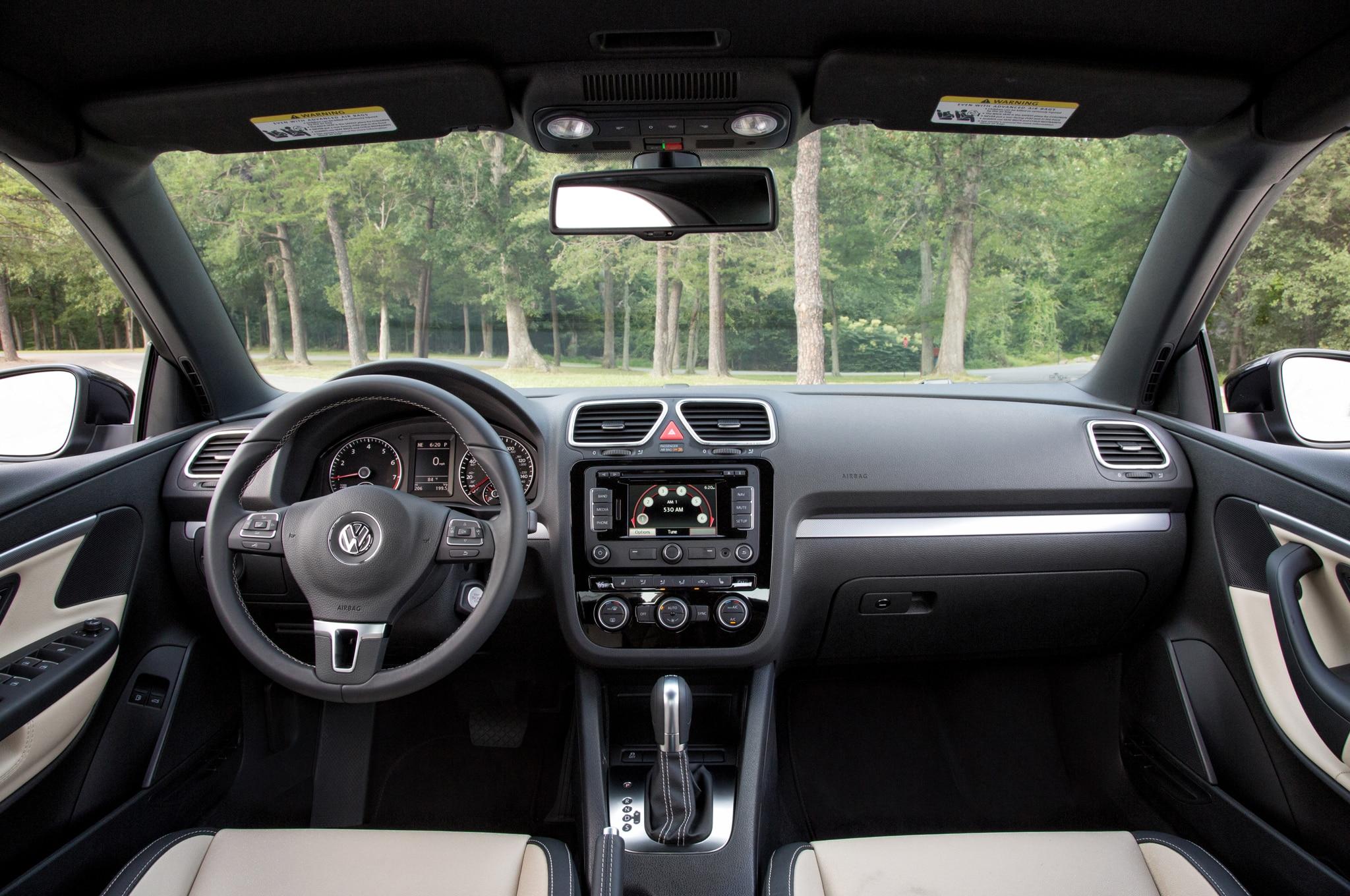 71107b7680cfe2 2015 Volkswagen Beetle Adds Classic Model