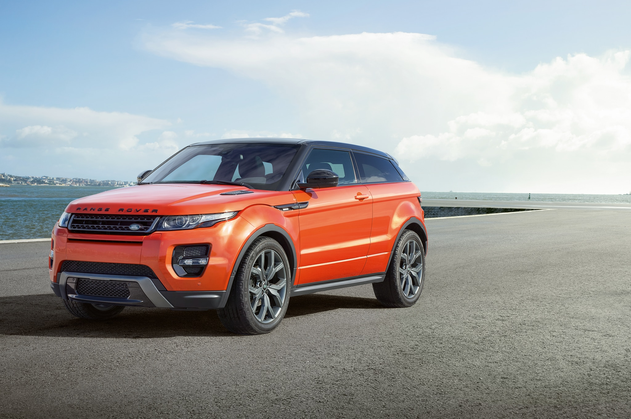 2015 Land Rover Range Rover Evoque Autobiography Dynamic Debuts at ...