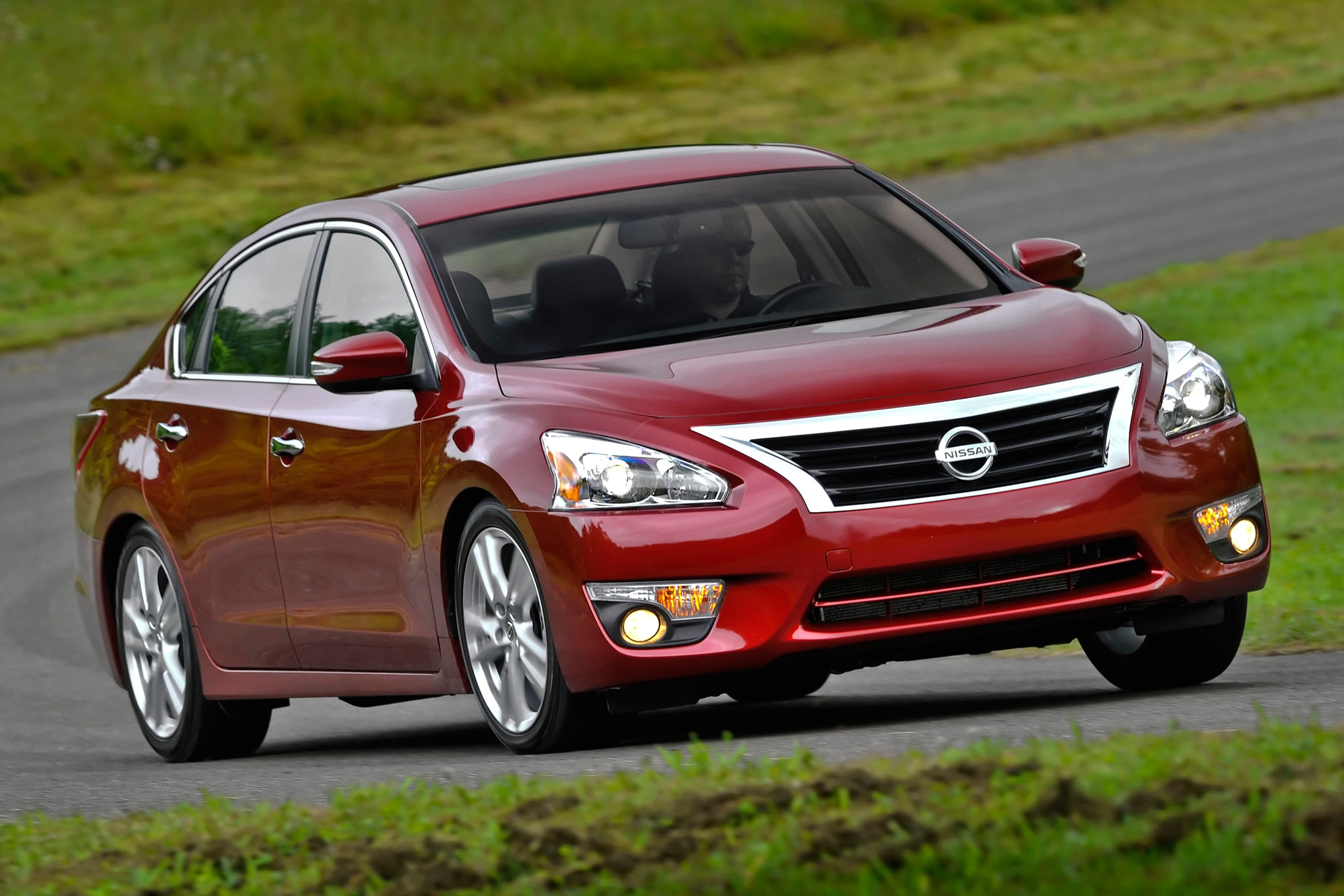 Nissan Altima 2 5 S >> 2015 Nissan Altima Starts At $23,110 - Automobile Magazine