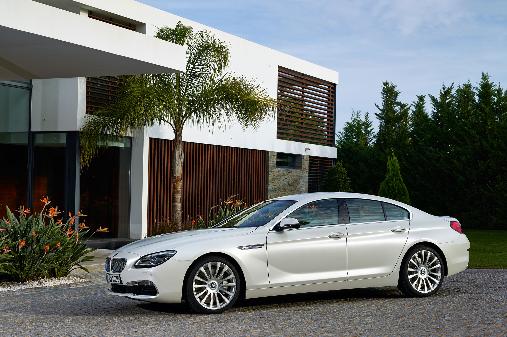 2016 BMW 6 Series Gran Coupe Front Side Profile