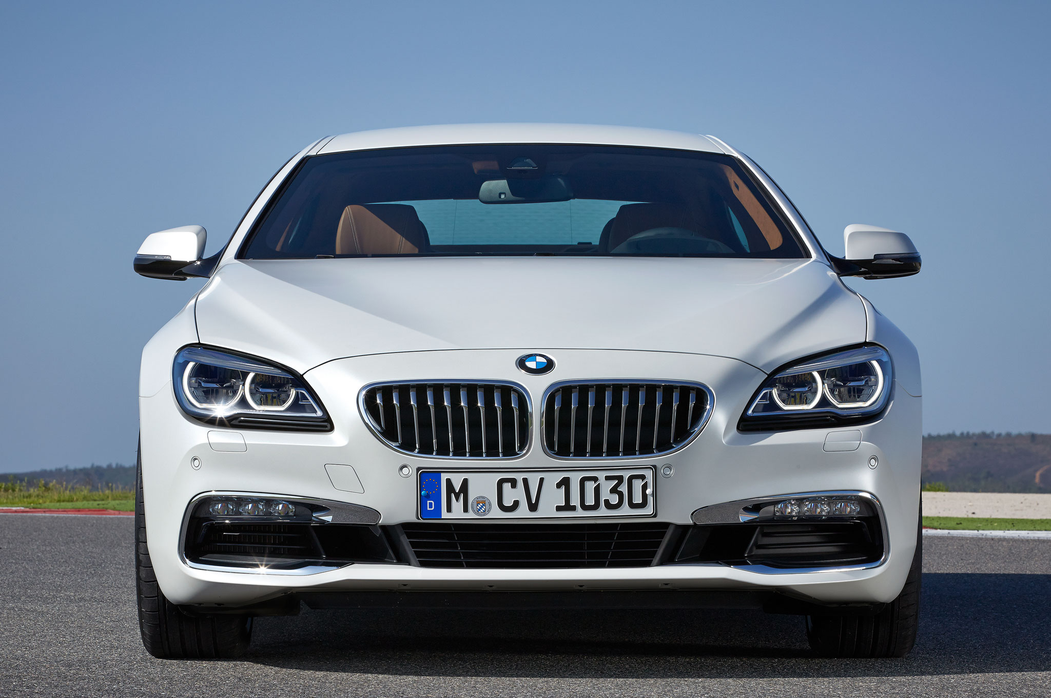 2016 BMW 6 Series Gran Coupe Front View 2