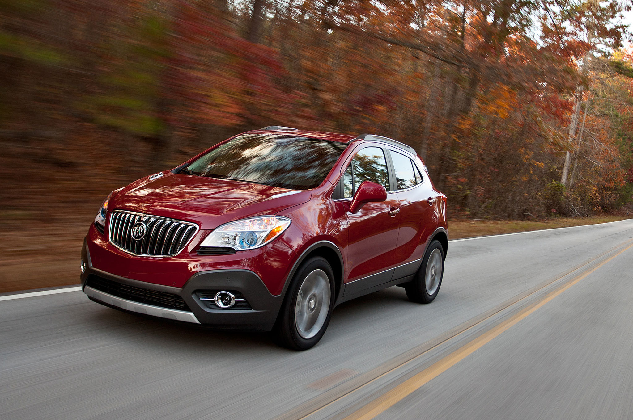 2016 Buick Encore Front Three Quarter In Motion 05