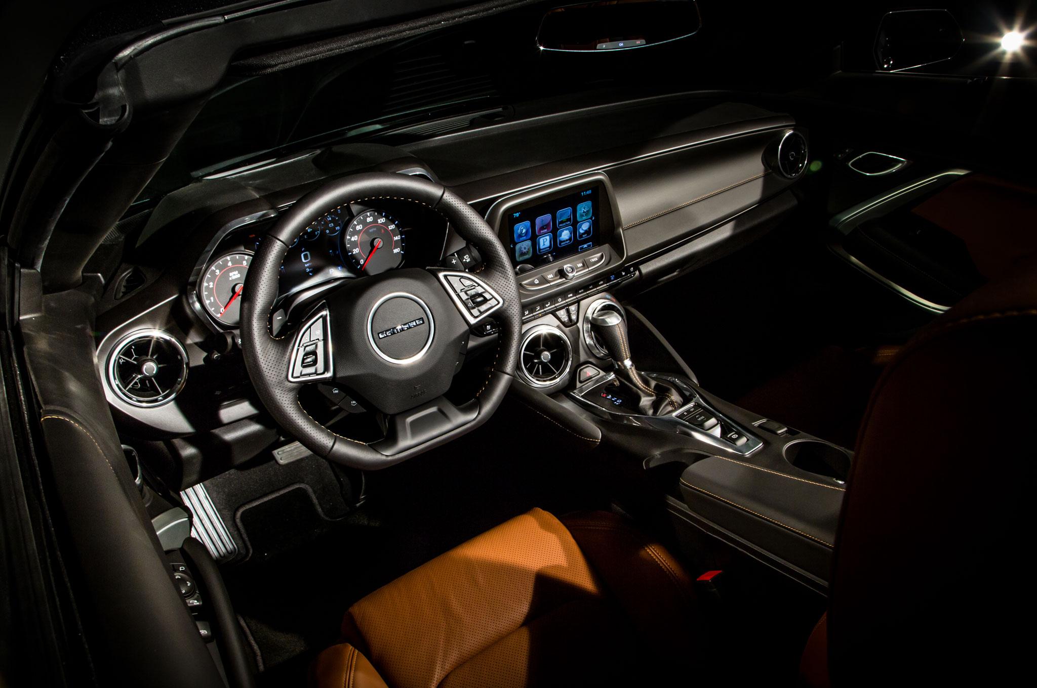 2016 Chevrolet Camaro Convertible Cabin 01