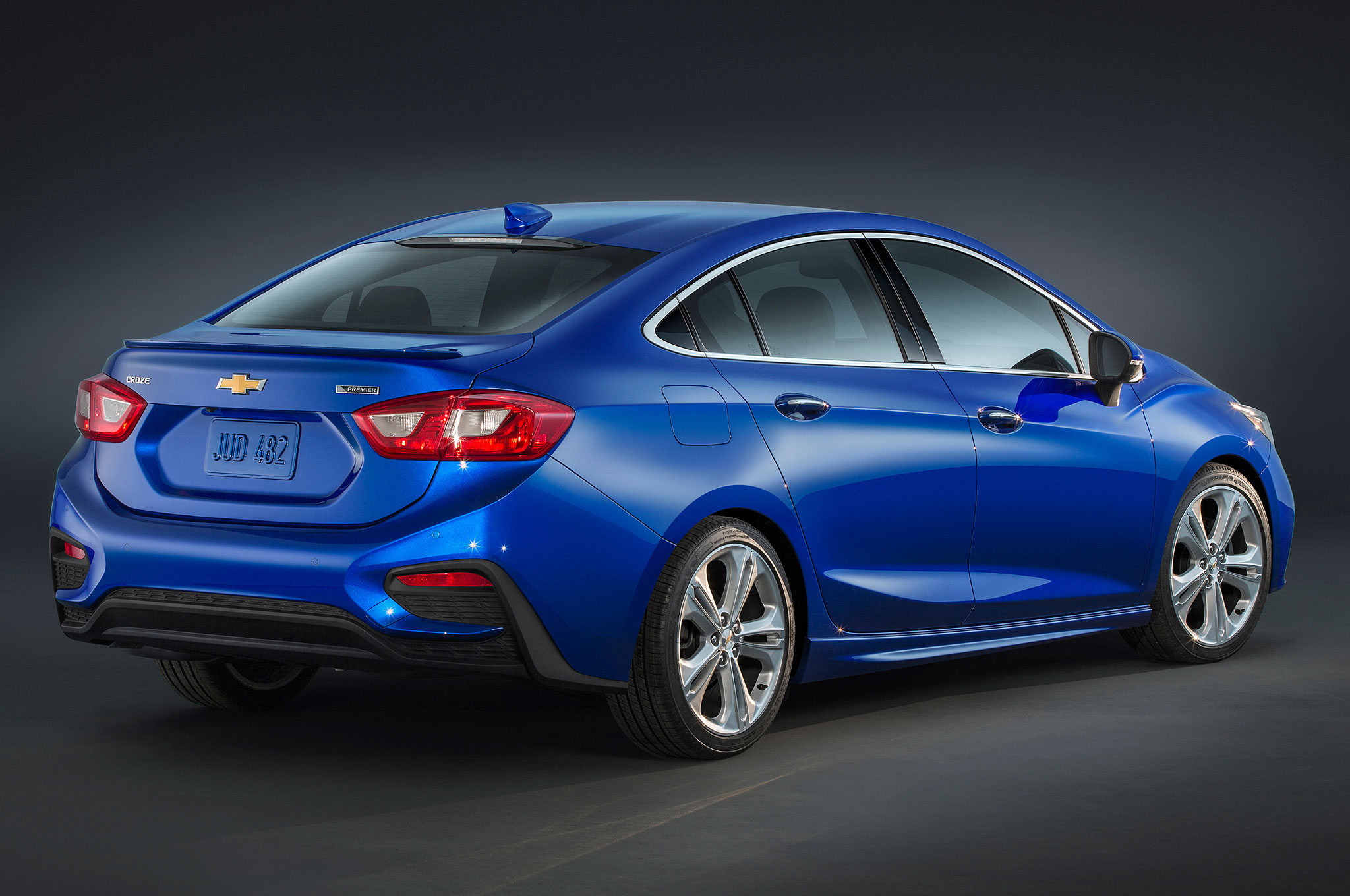 2016 Chevrolet Cruze Premier Rear Side View
