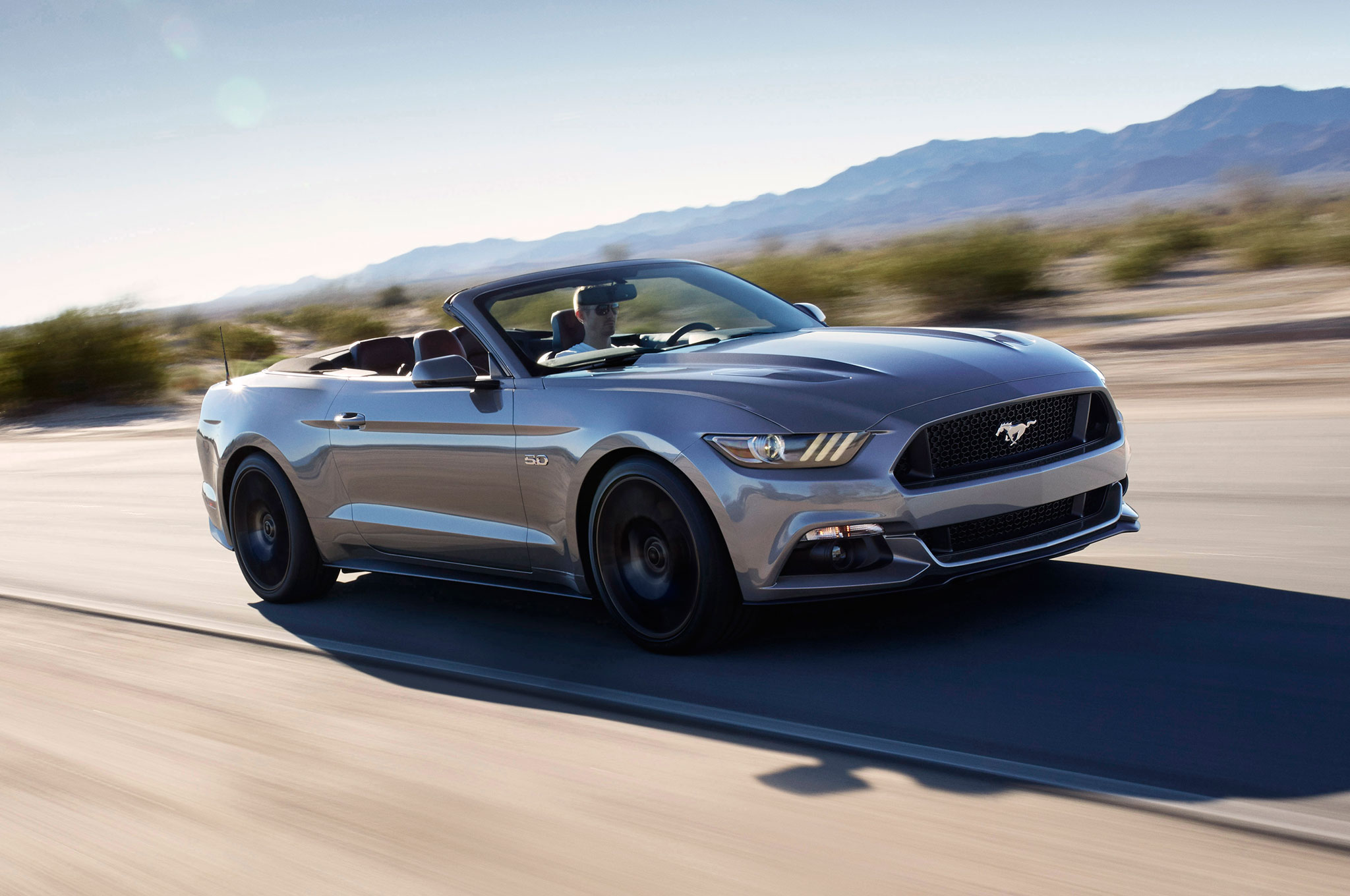 2016 ford mustang gt convertible performance pack front three quarter 2