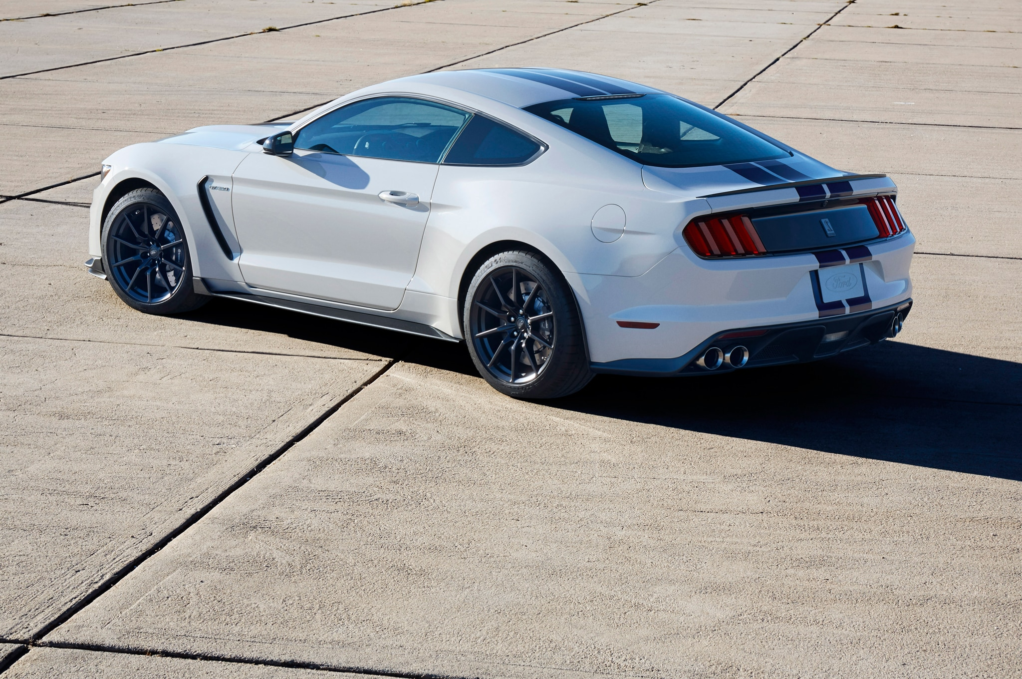 10 Things to Know about the Ford Shelby GT350 Mustang's V-8 Engine on