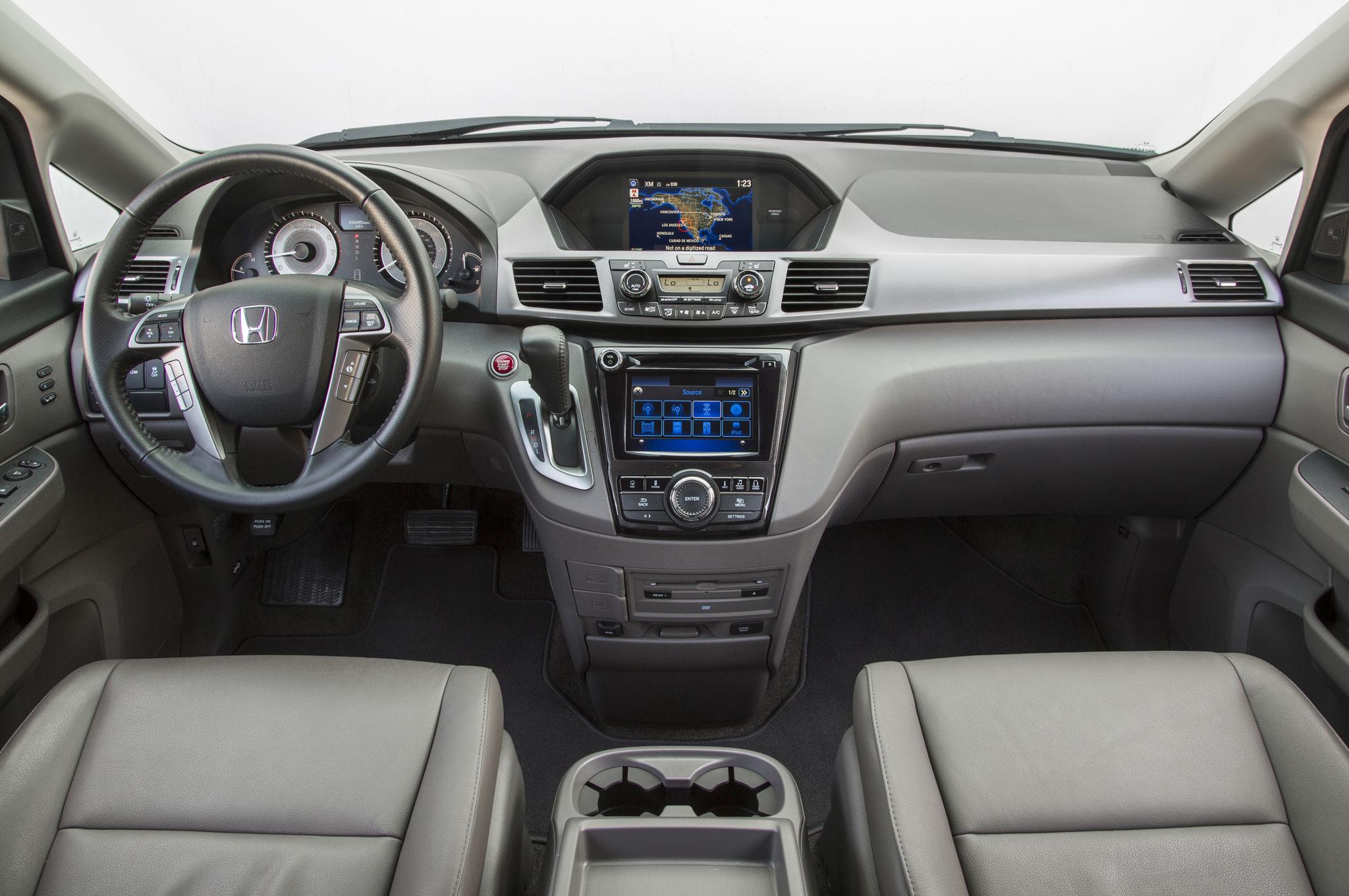 2016 Honda Odyssey Cabin 02