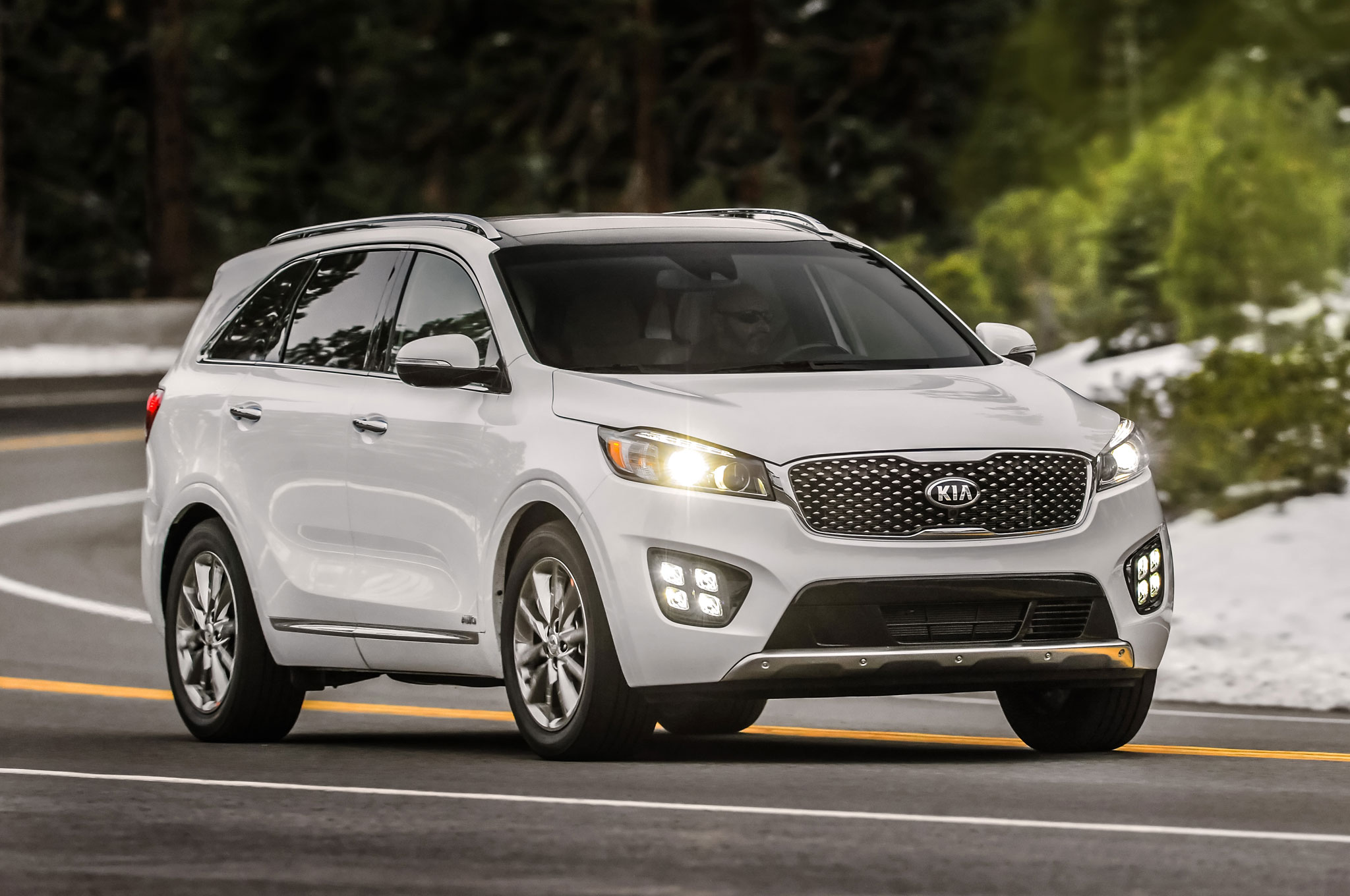 2016 Kia Soo Sxl Front Three Quarter 2