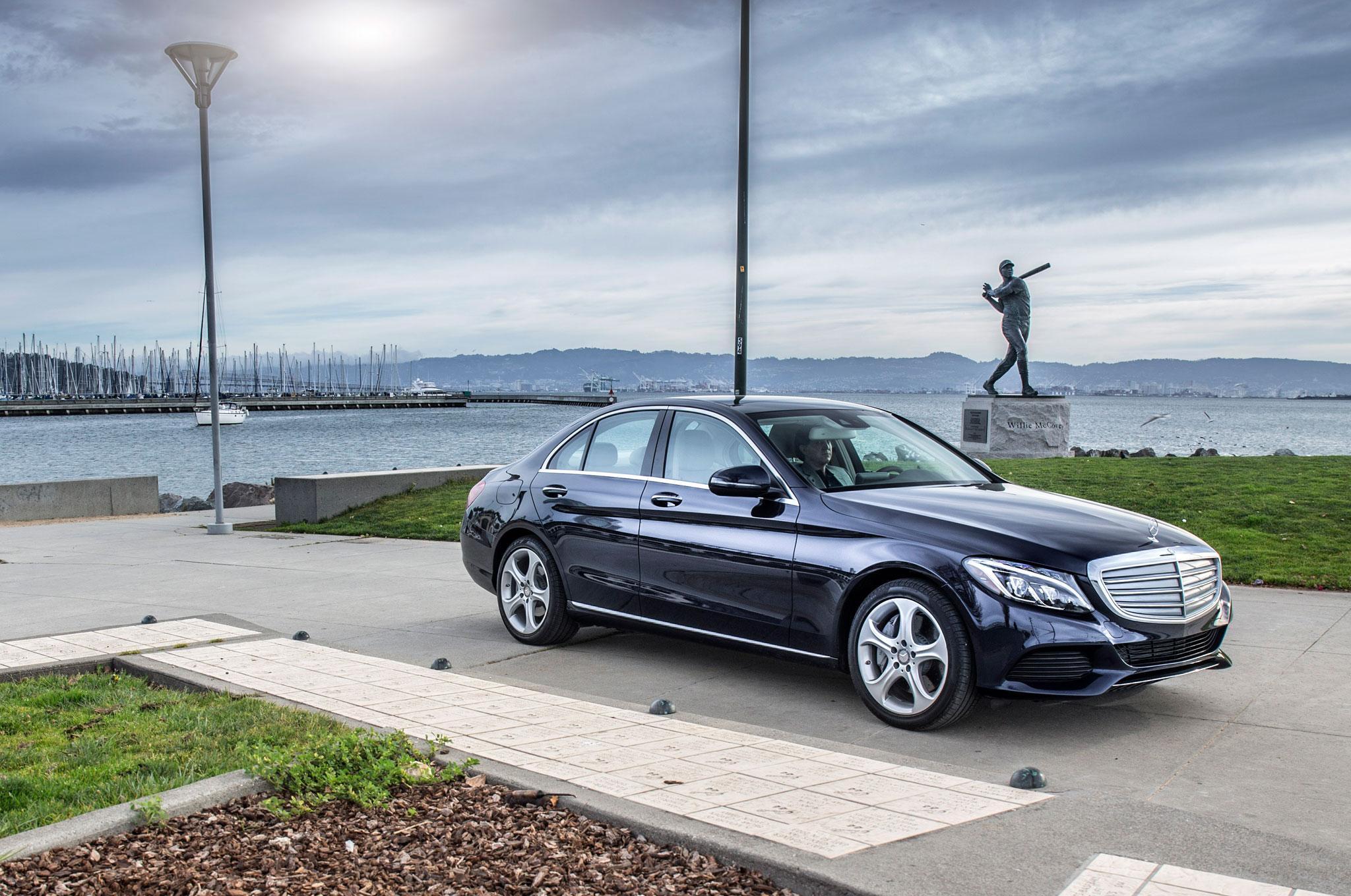2016 Mercedes Benz C350e Front Three Quarter