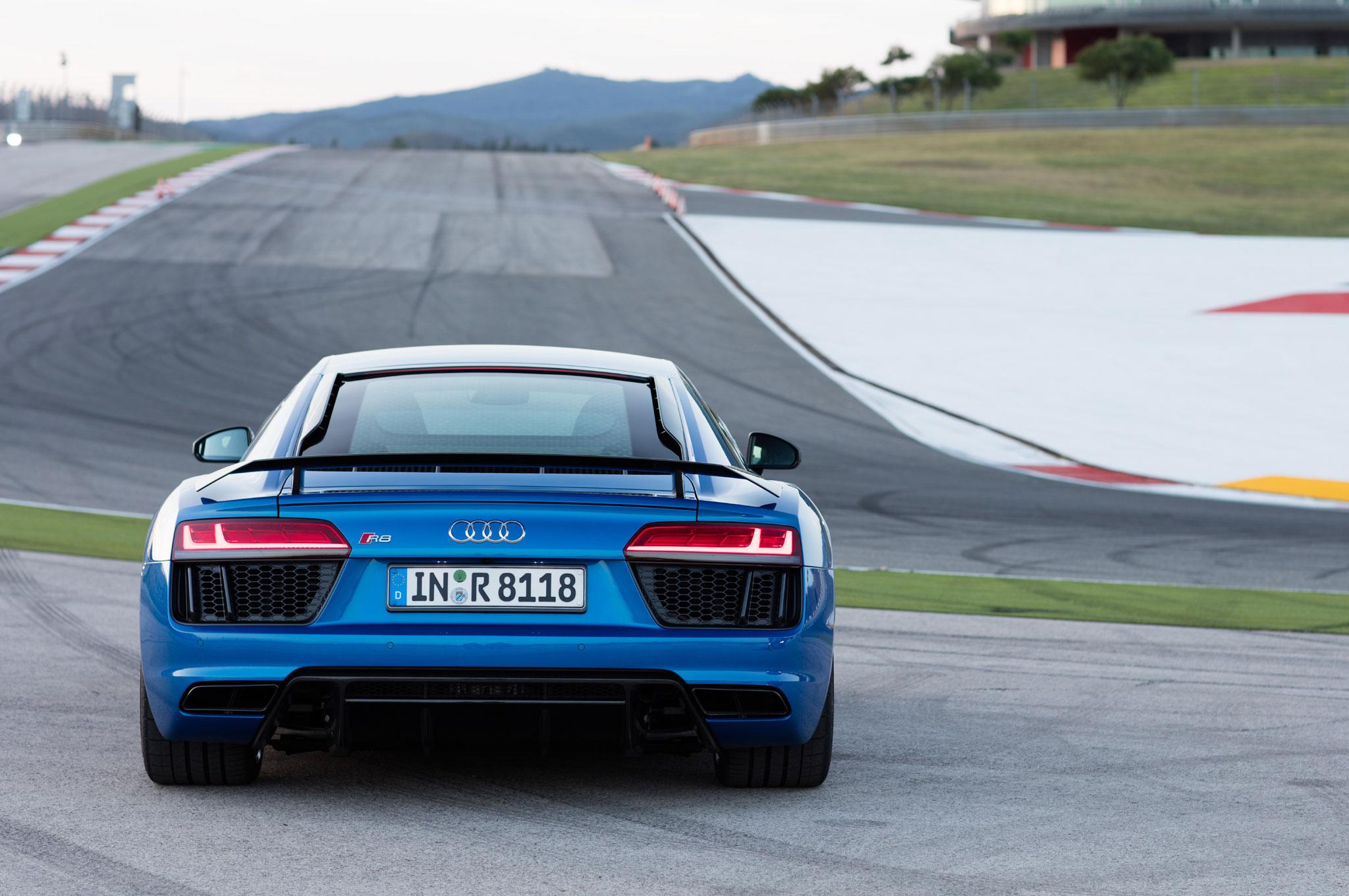 2017 Audi R8 V10 Plus Gets Frickin Lasers Automobile