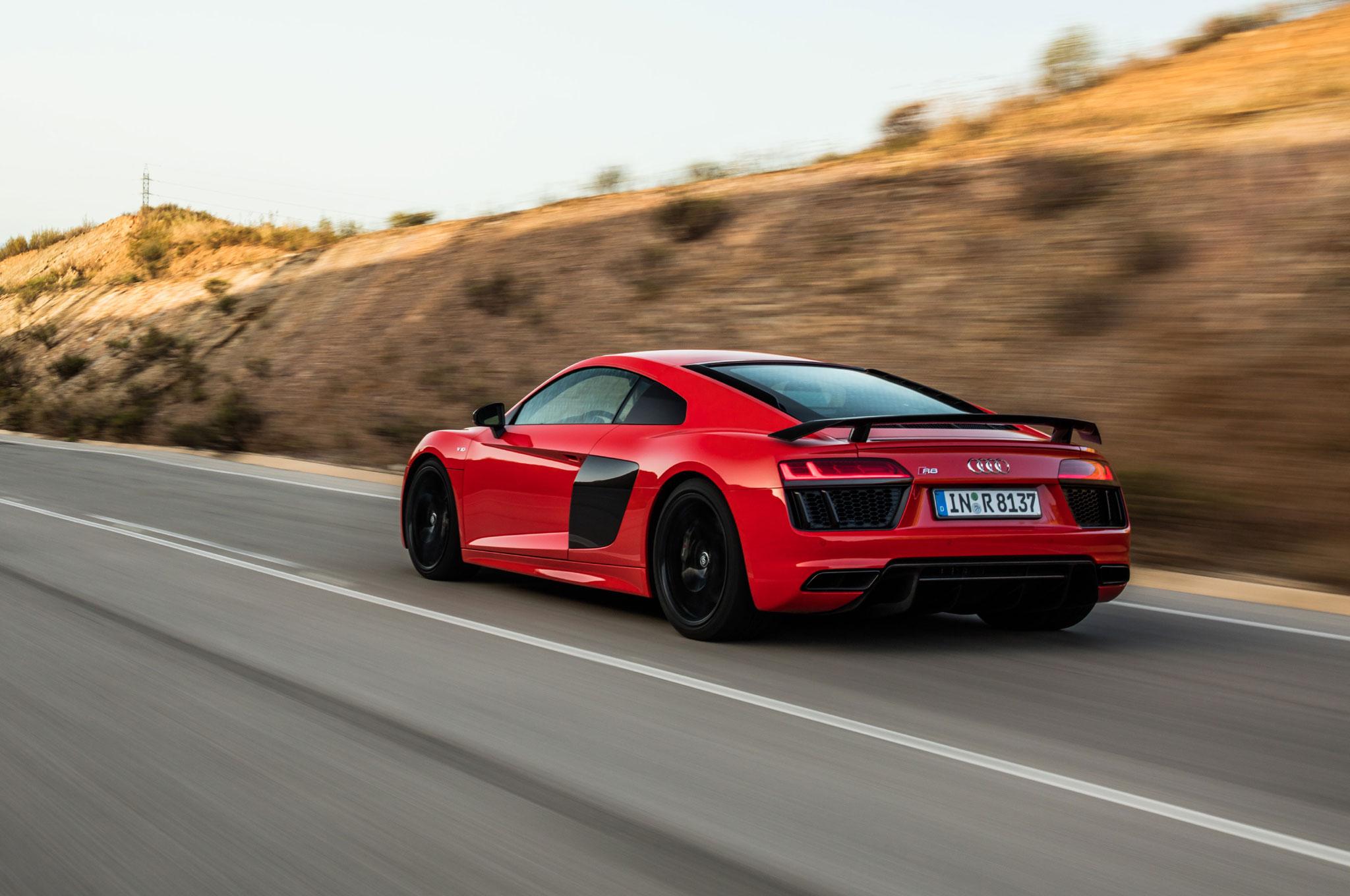 Ignition Takes On The Audi R V Plus - Audi r8 quarter mile