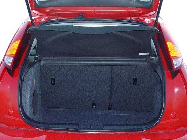 2005 ford focus intellichoice review automobile magazine. Black Bedroom Furniture Sets. Home Design Ideas
