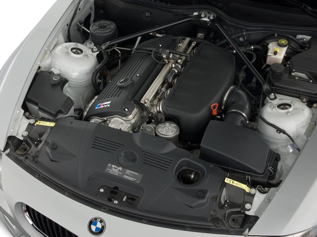 2008 white bmw z4 m coupe