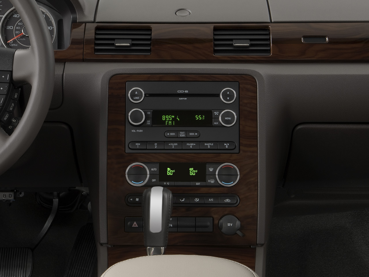 https://st.automobilemag.com/uploads/sites/10/2015/11/2008-ford-taurus-sel-sedan-instrument-panel.png