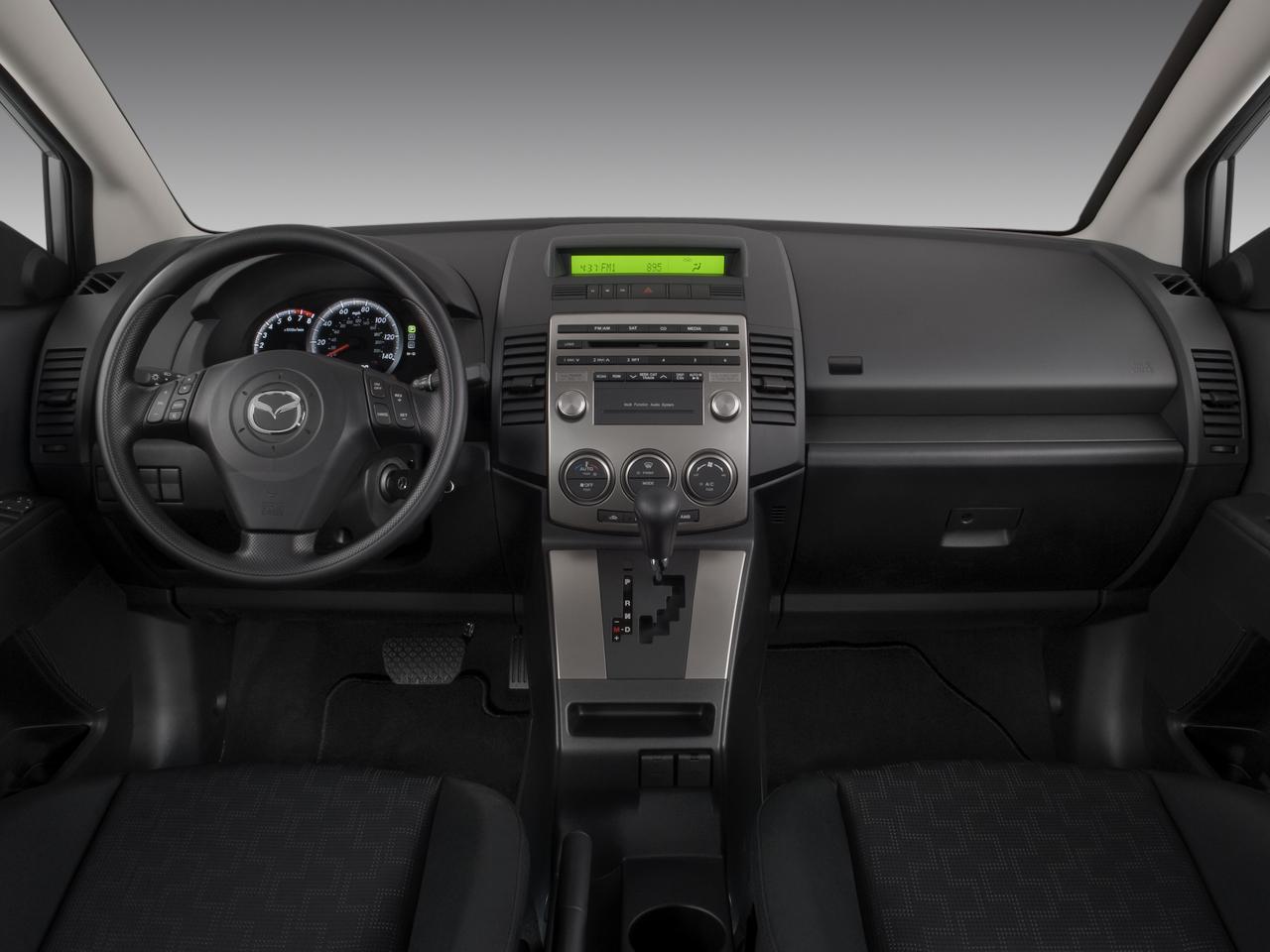 https://st.automobilemag.com/uploads/sites/10/2015/11/2008-mazda-mazda5-sport-wagon-dashboard.png